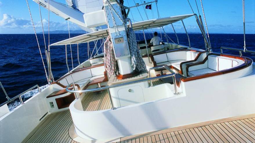 ariane-yacht-deck