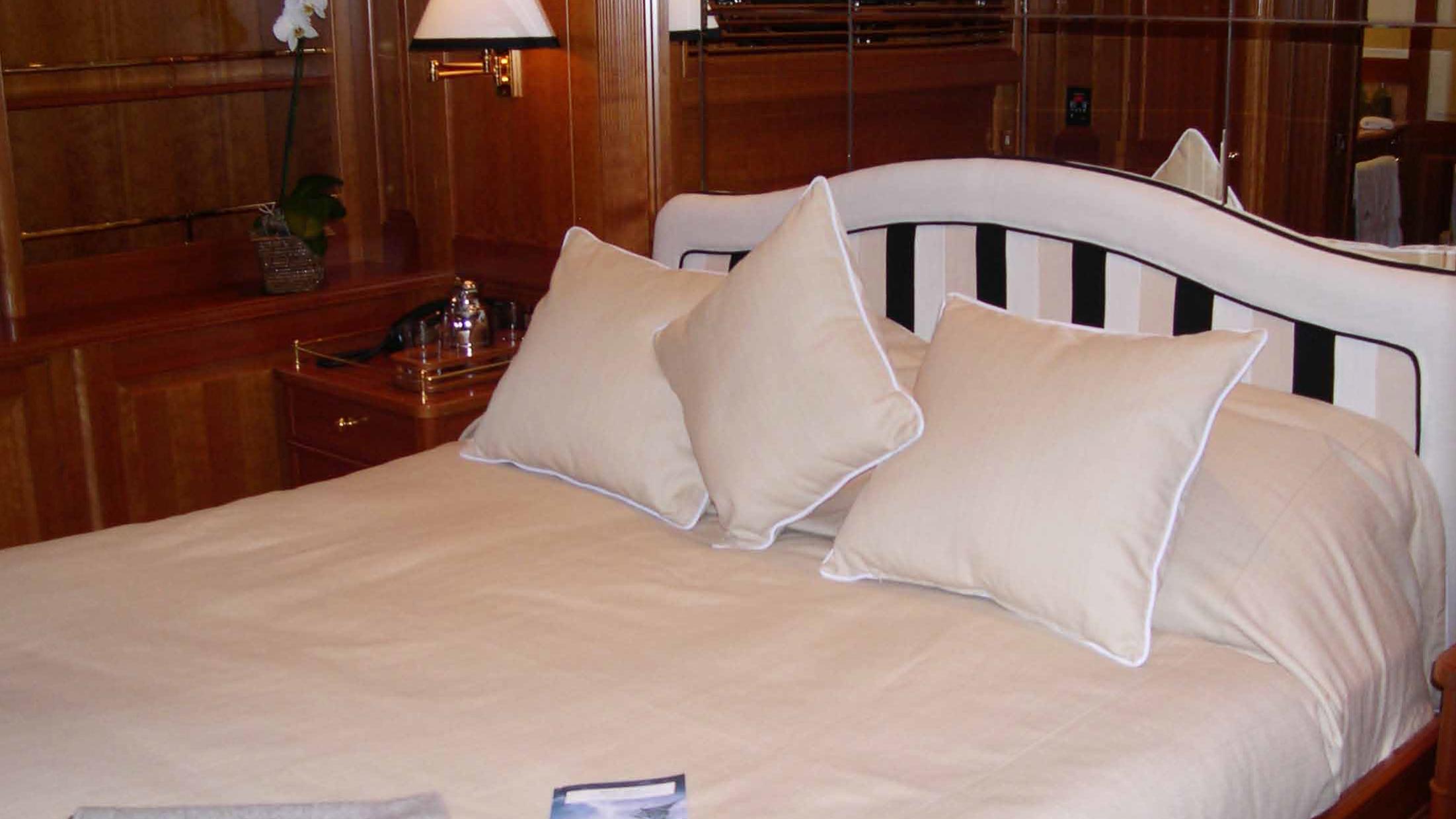 ariane-yacht-double-cabin