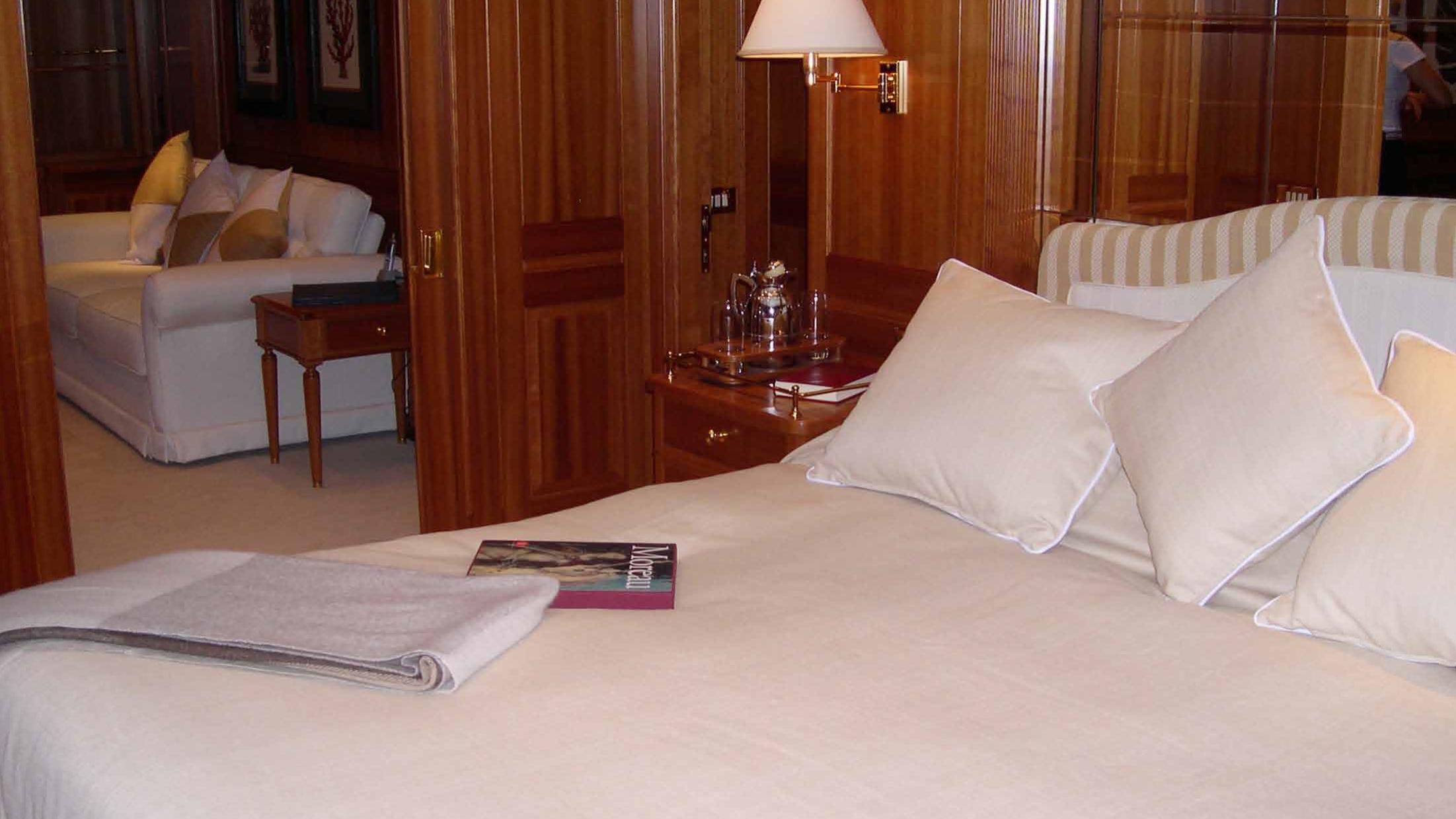 ariane-yacht-master-cabin