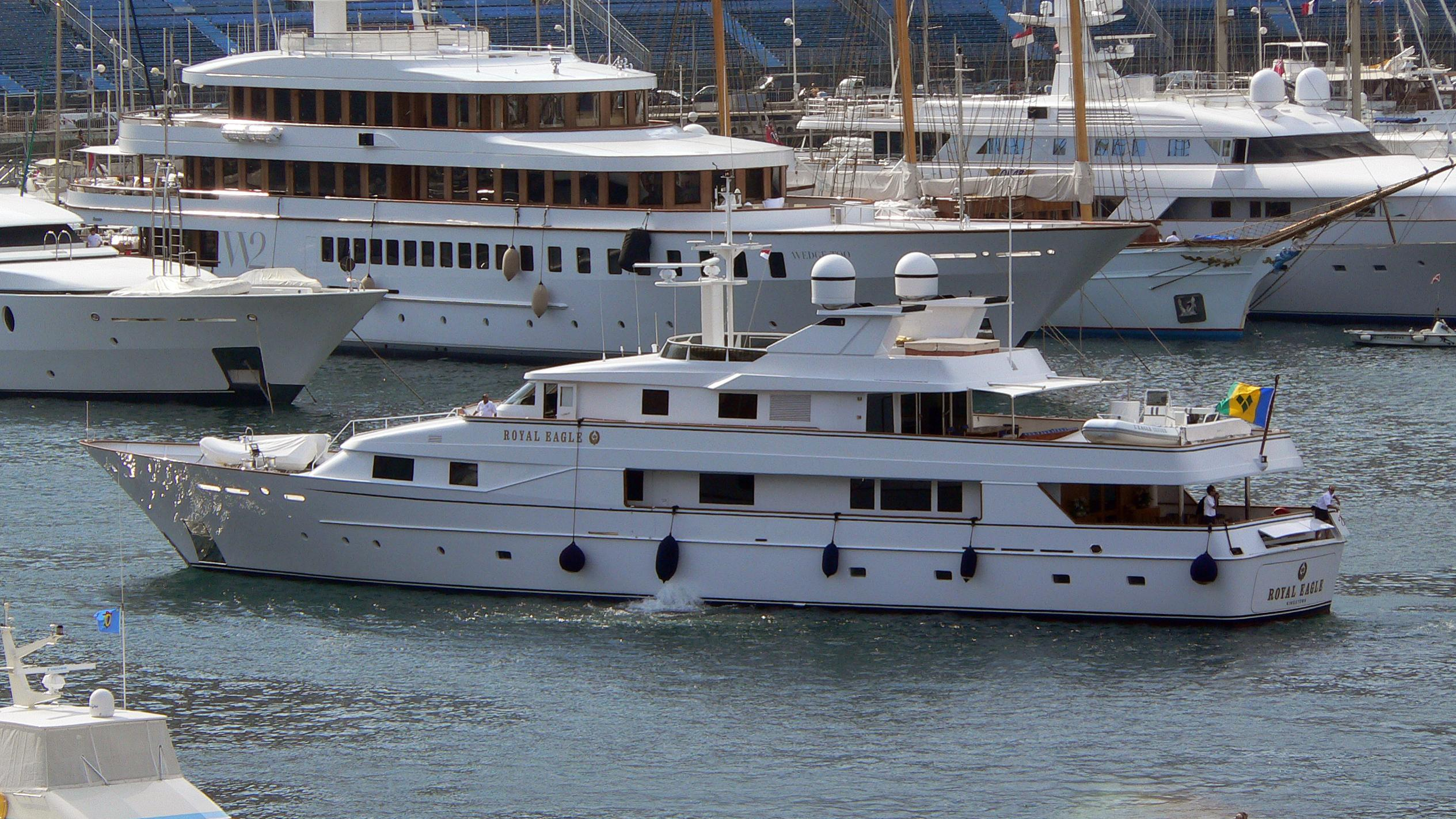 golden-eagle-yacht-exterior