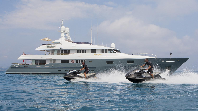 mosaique-yacht-jetski