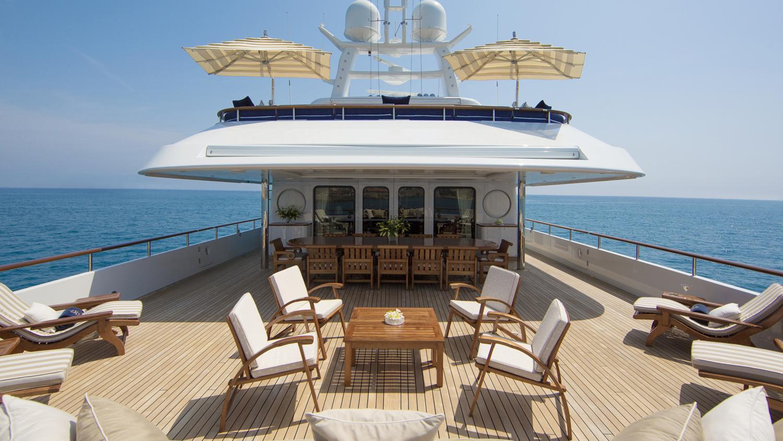 mosaique-yacht-bridge-deck