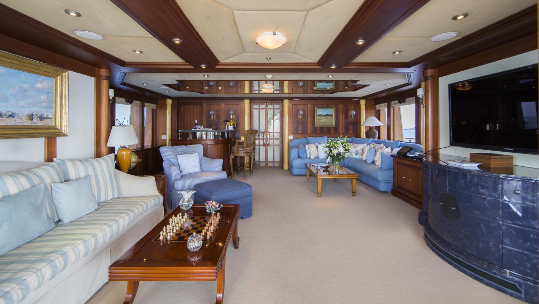 mosaique-yacht-sky-lounge