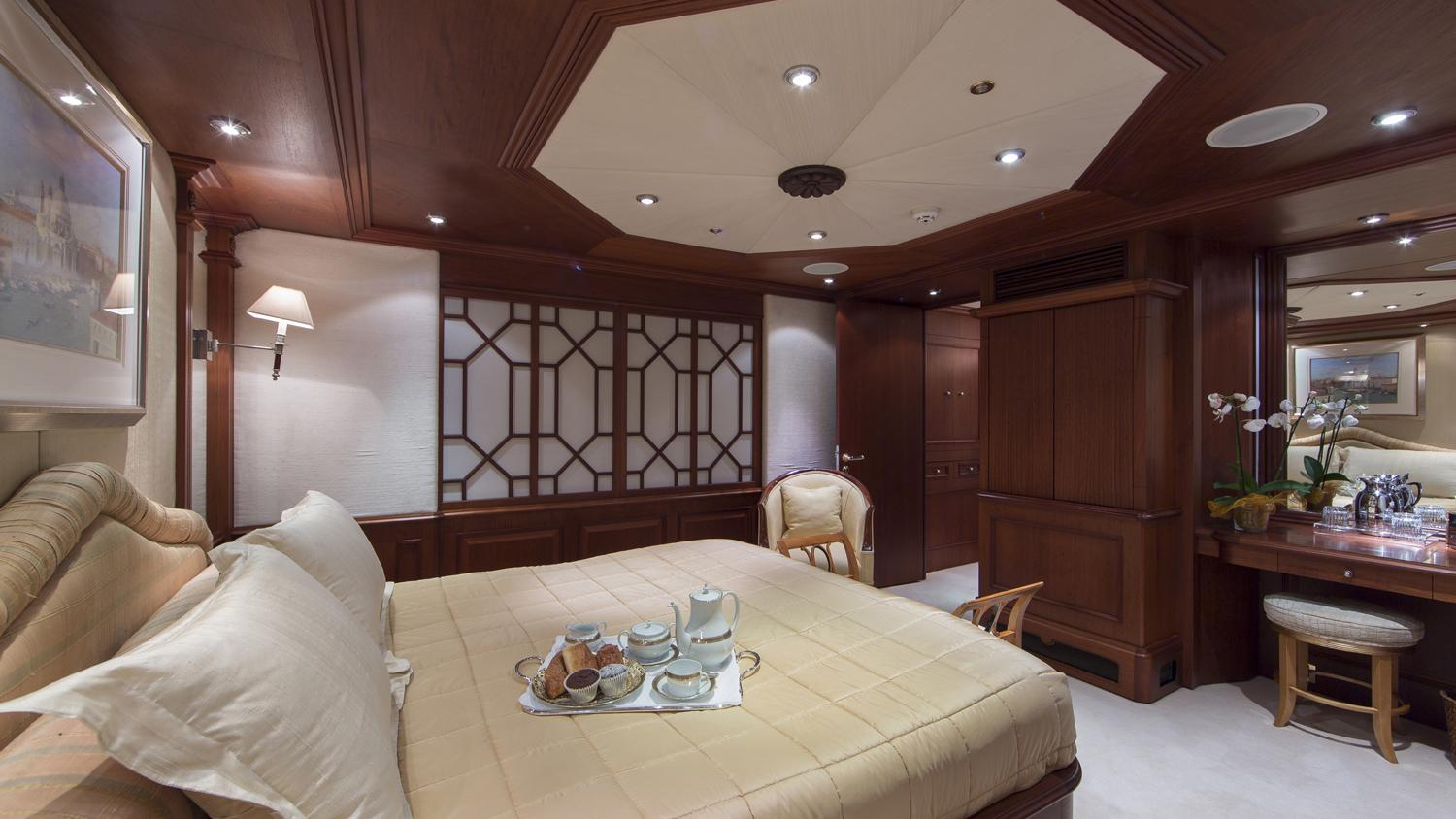 mosaique-yacht-vip-cabin