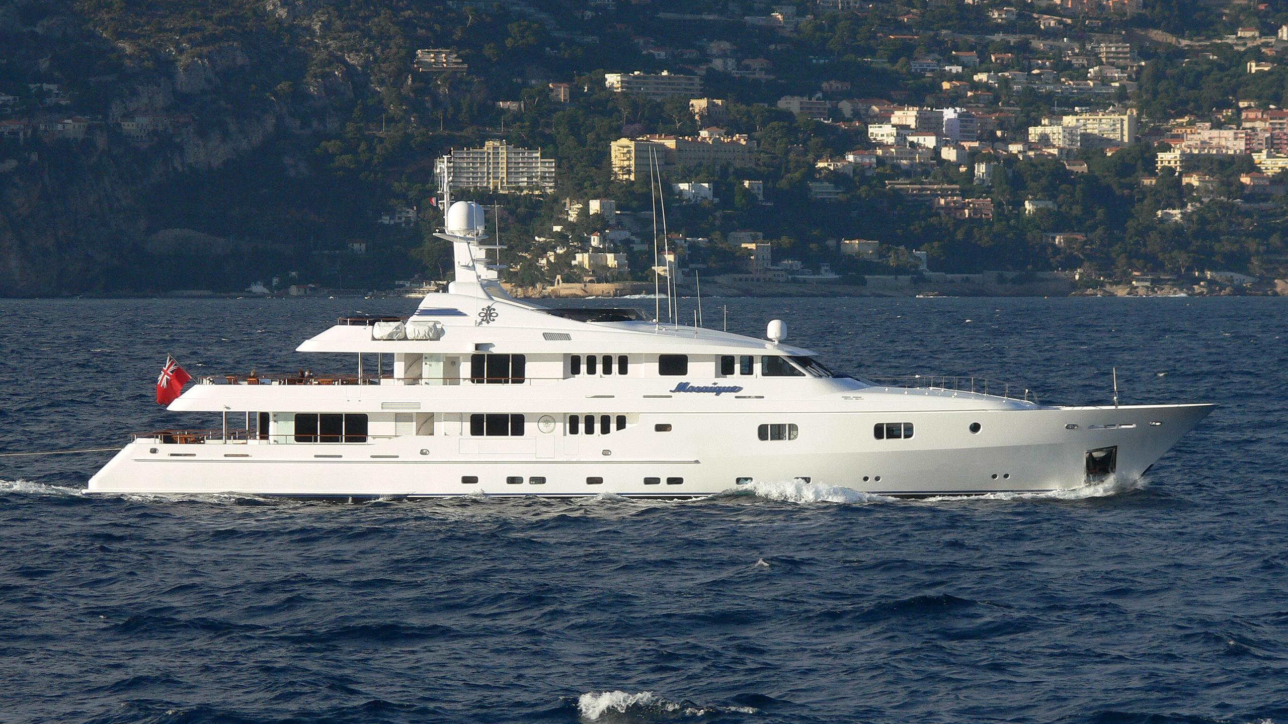 mosaique-yacht-exterior
