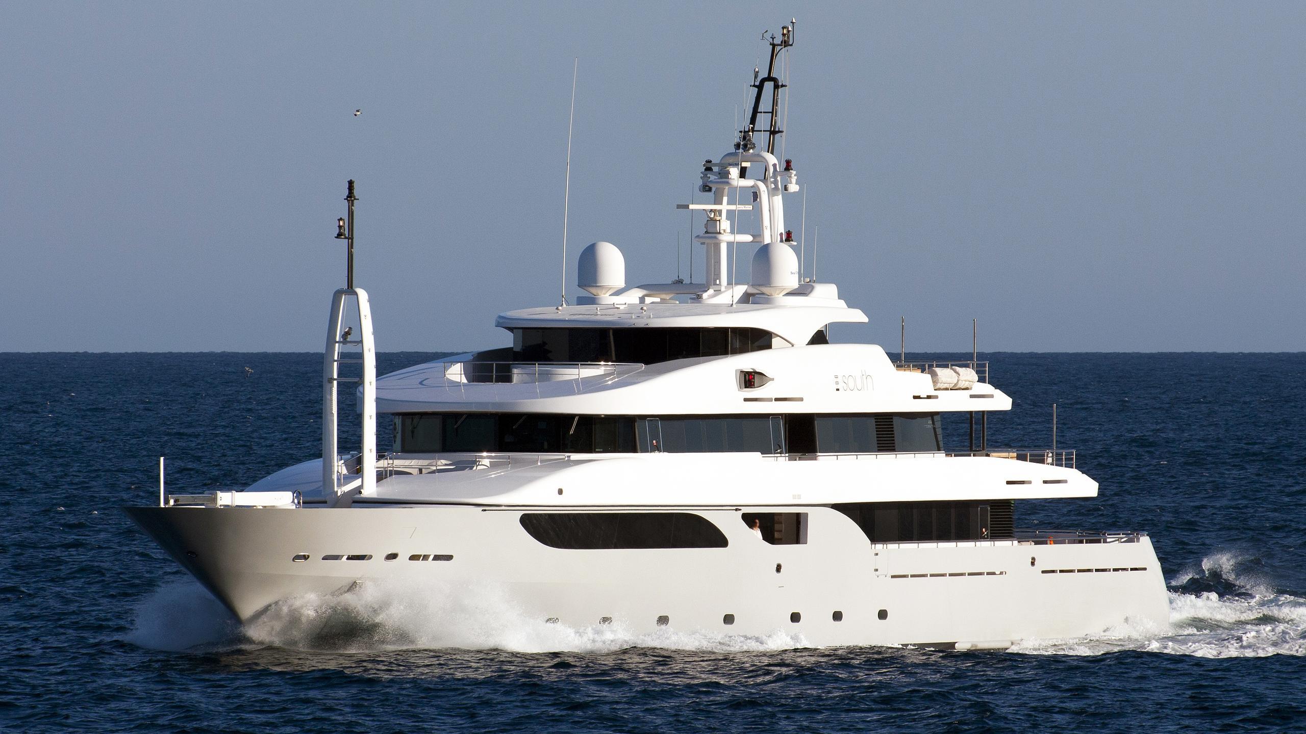 rarity-syna-south-motor-yacht-rossinavi-2008-53m-half-stern