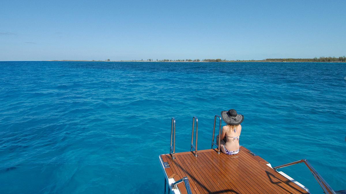 hyperion-yacht-beach-club