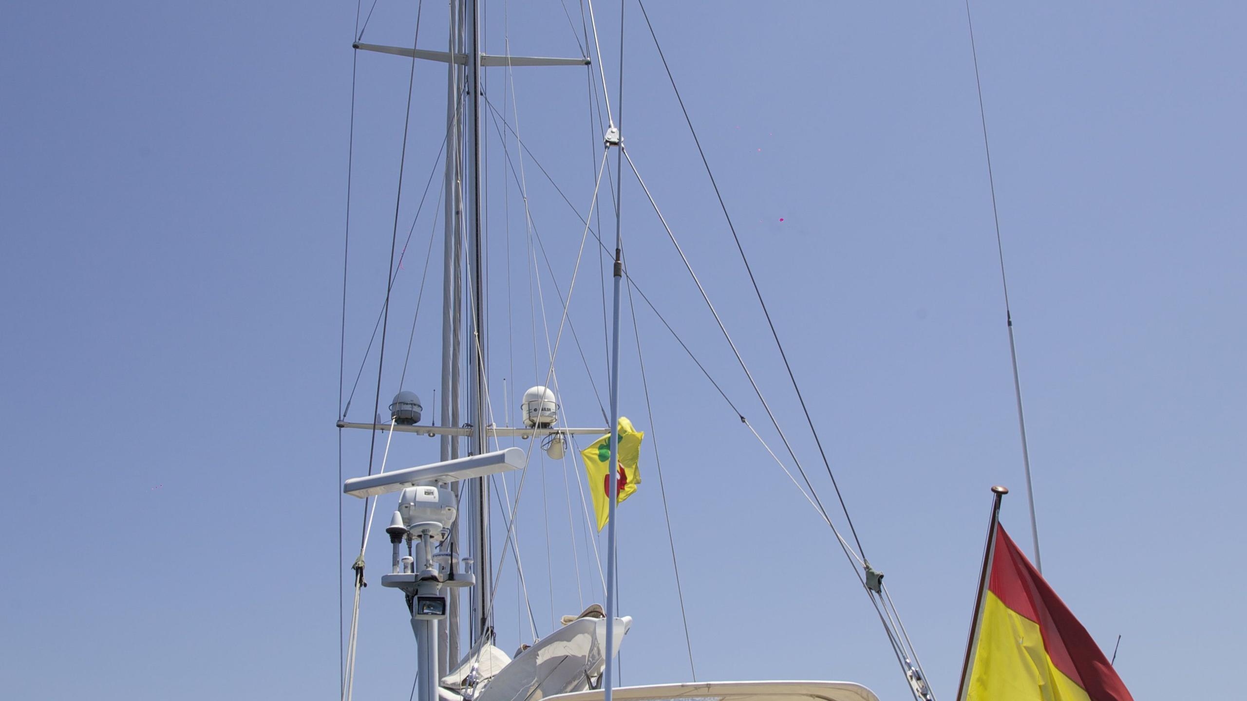 el-baile-yacht-stern