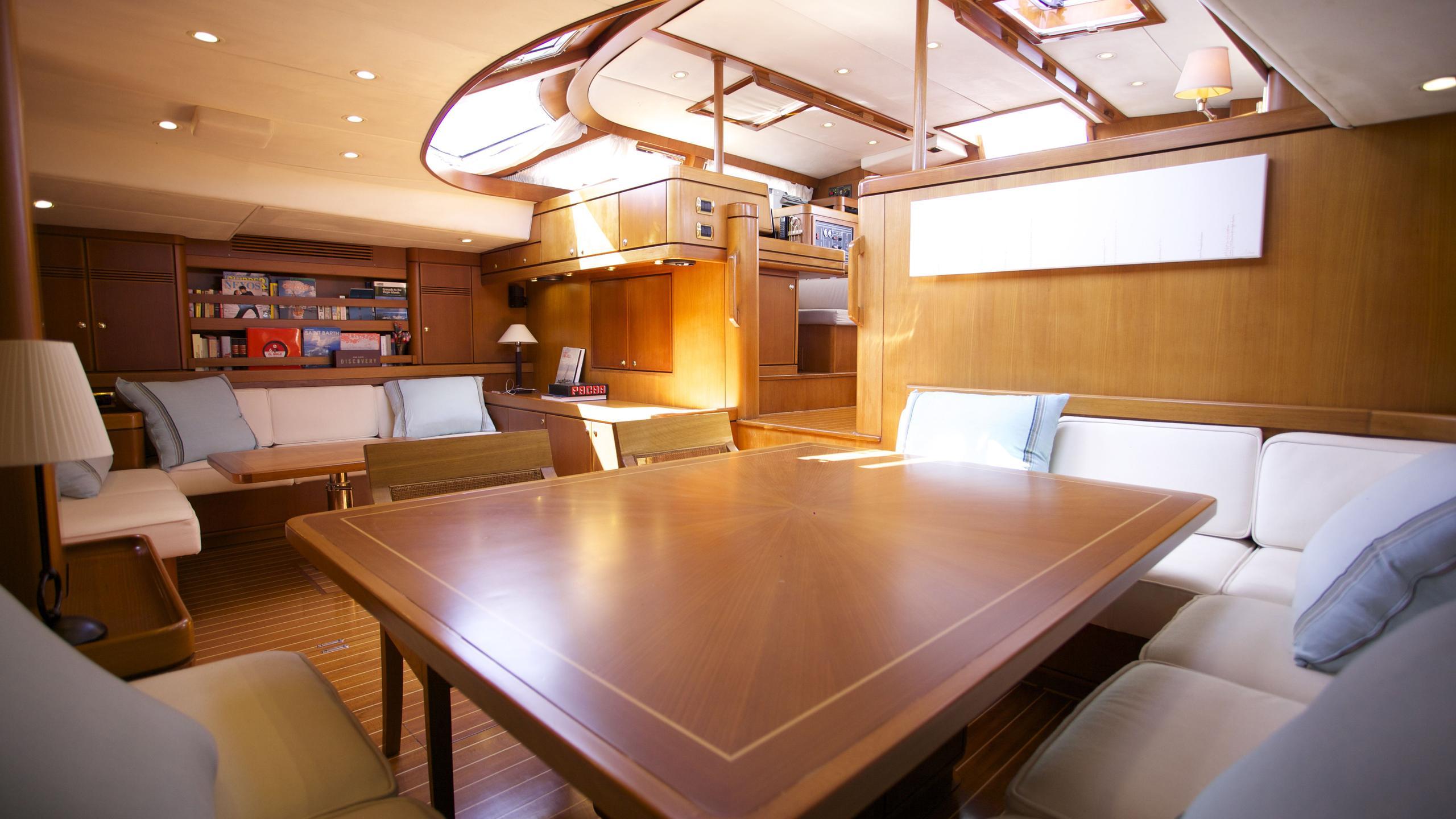 el-baile-yacht-saloon