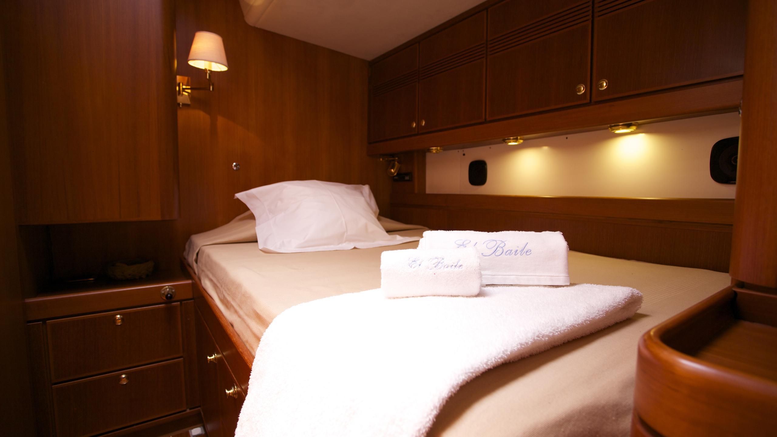 el-baile-yacht-double-cabin