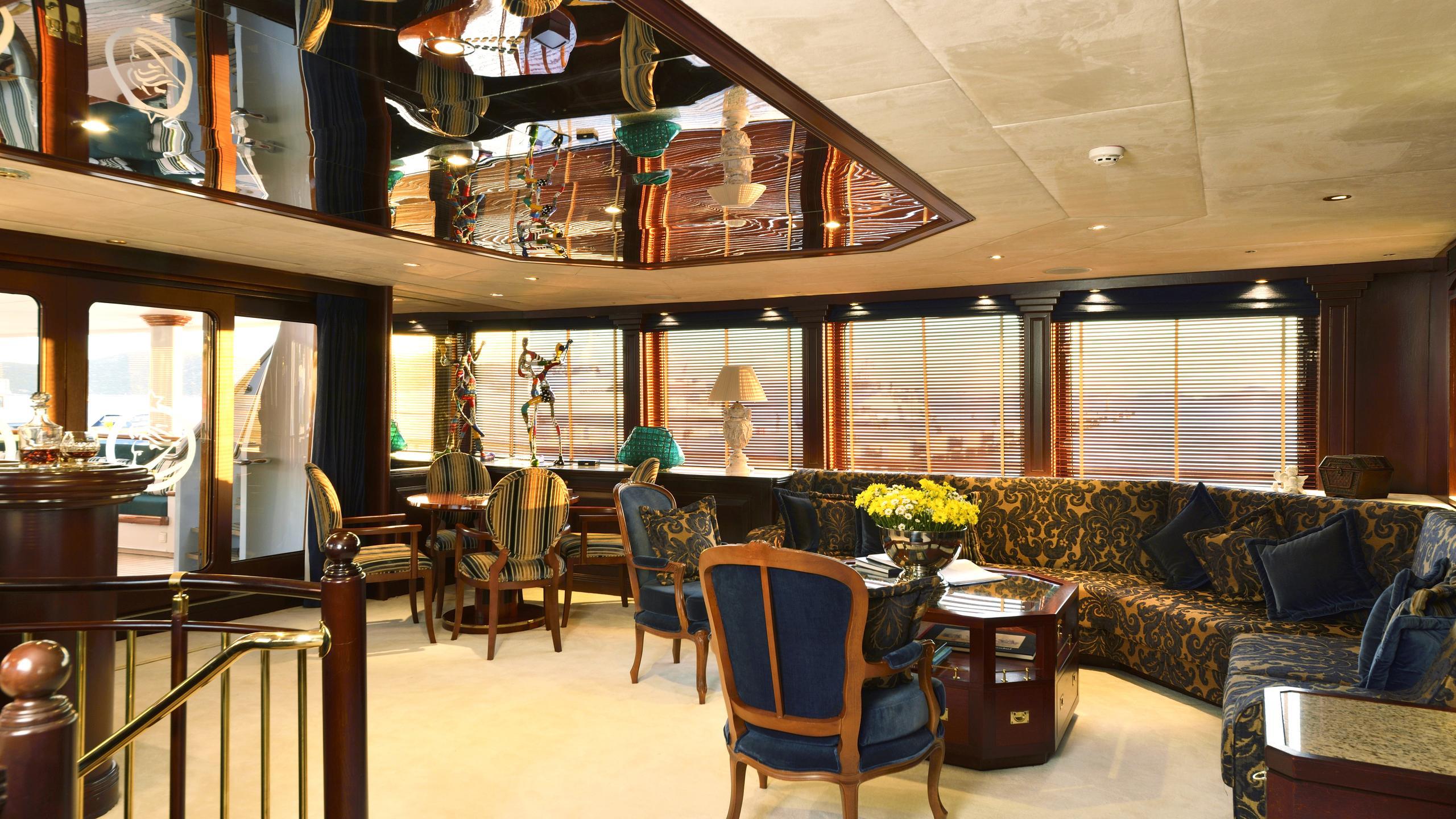 the-mercy-boys-yacht-saloon