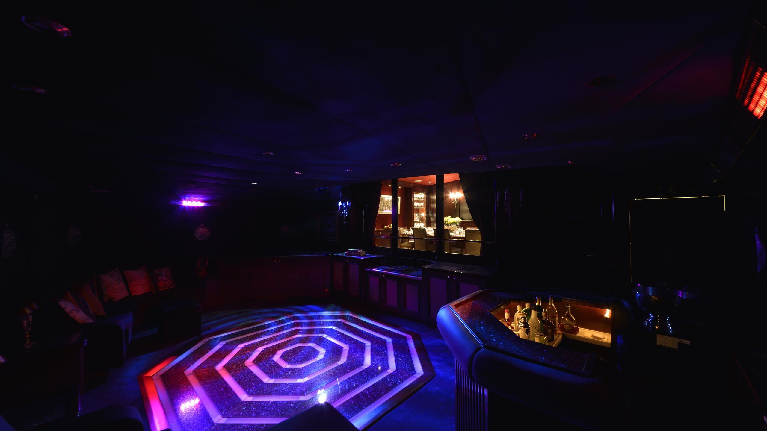 the-mercy-boys-yacht-night-club