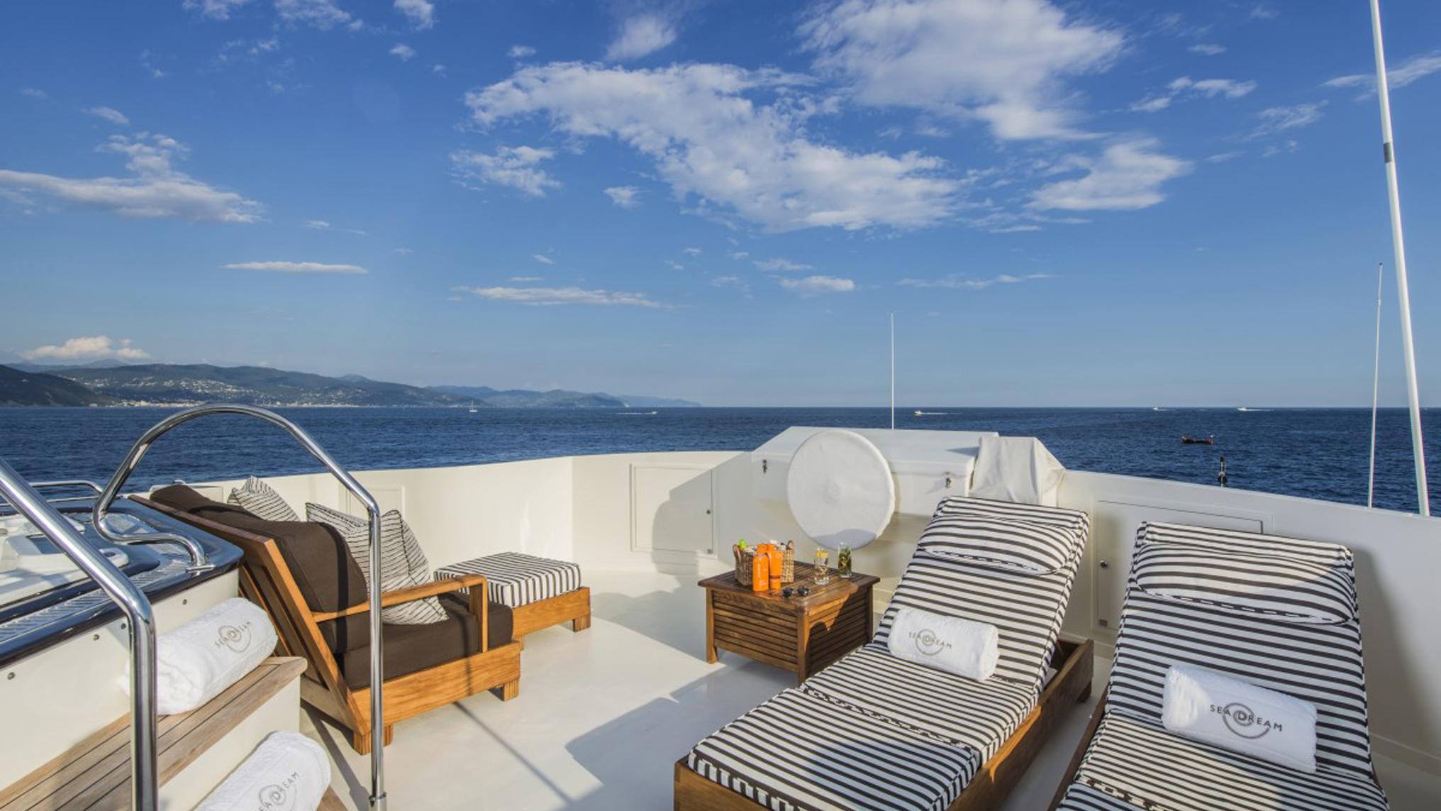 sea-dream-yacht-sun-deck