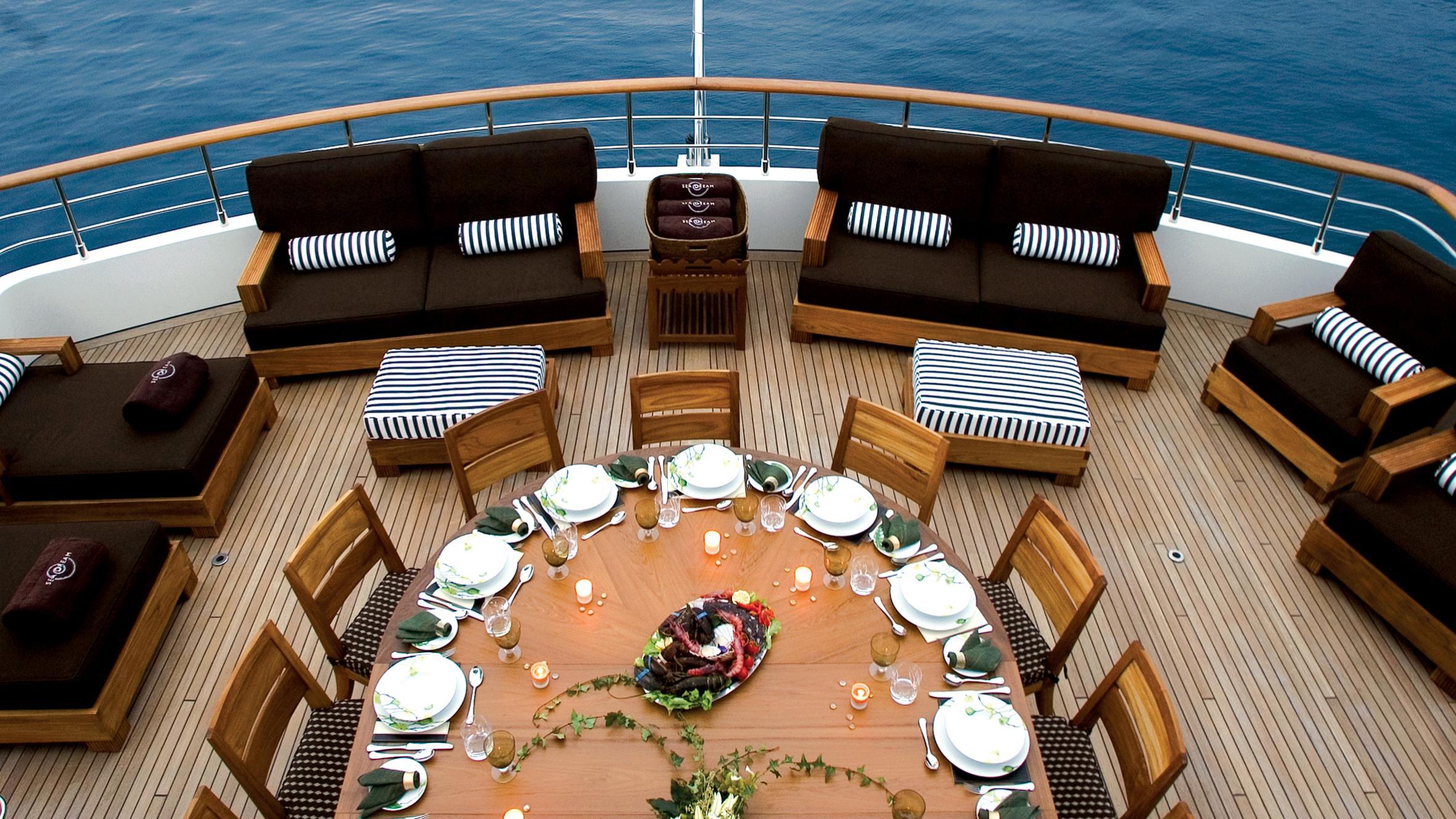 sea-dream-yacht-aft-dining