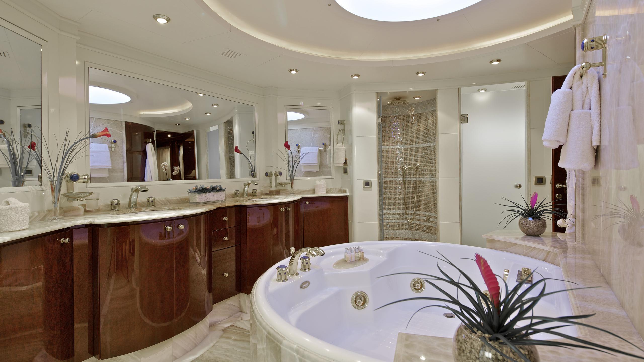 orion-yacht-master-bathroom