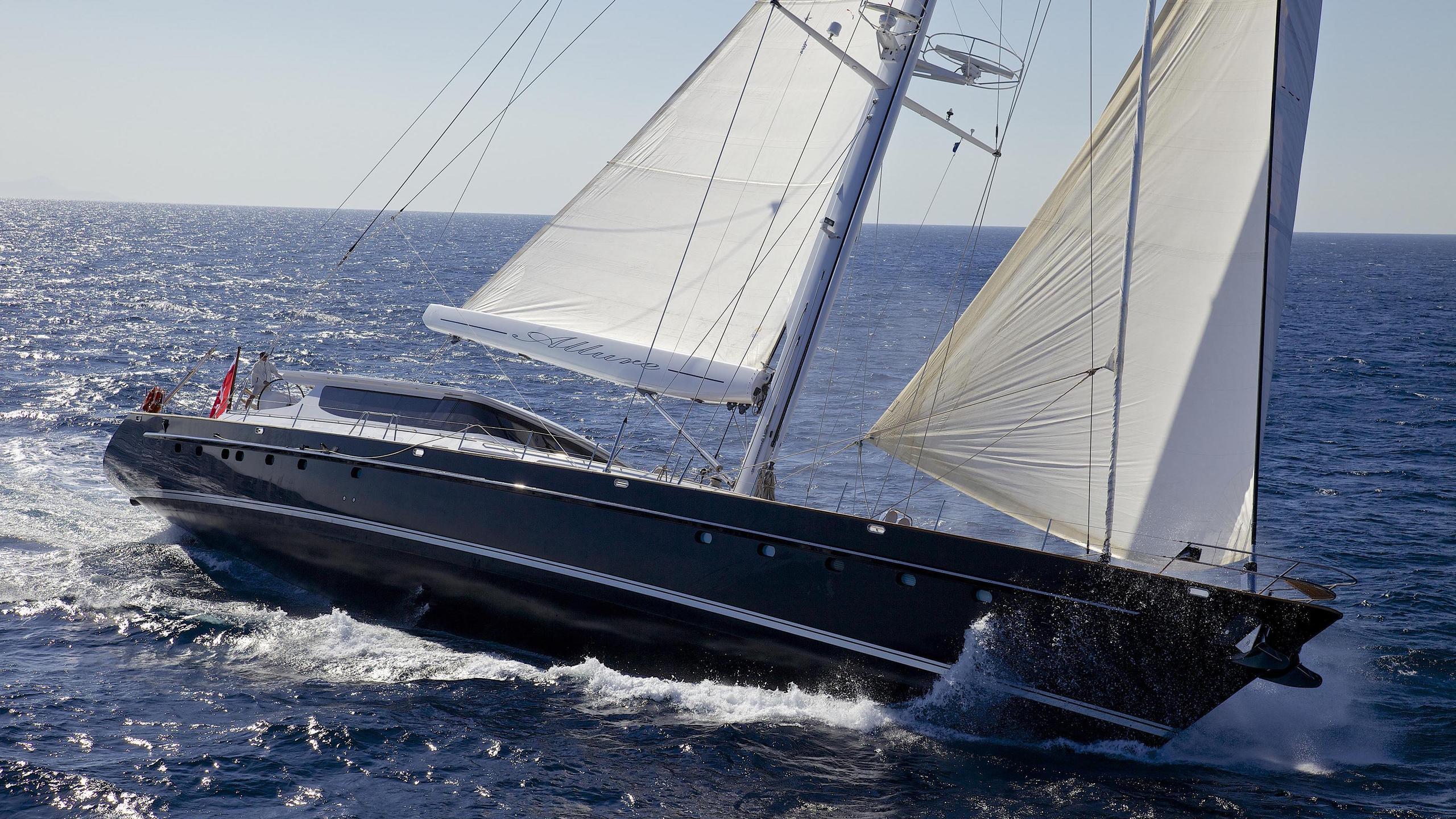 allure-yacht-sailing