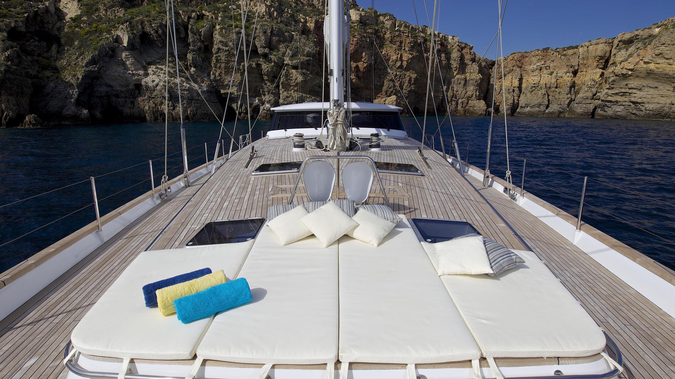allure-yacht-sunpads