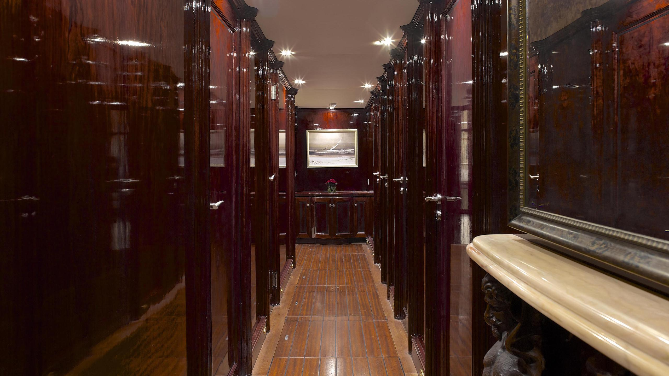 allure-yacht-hallway