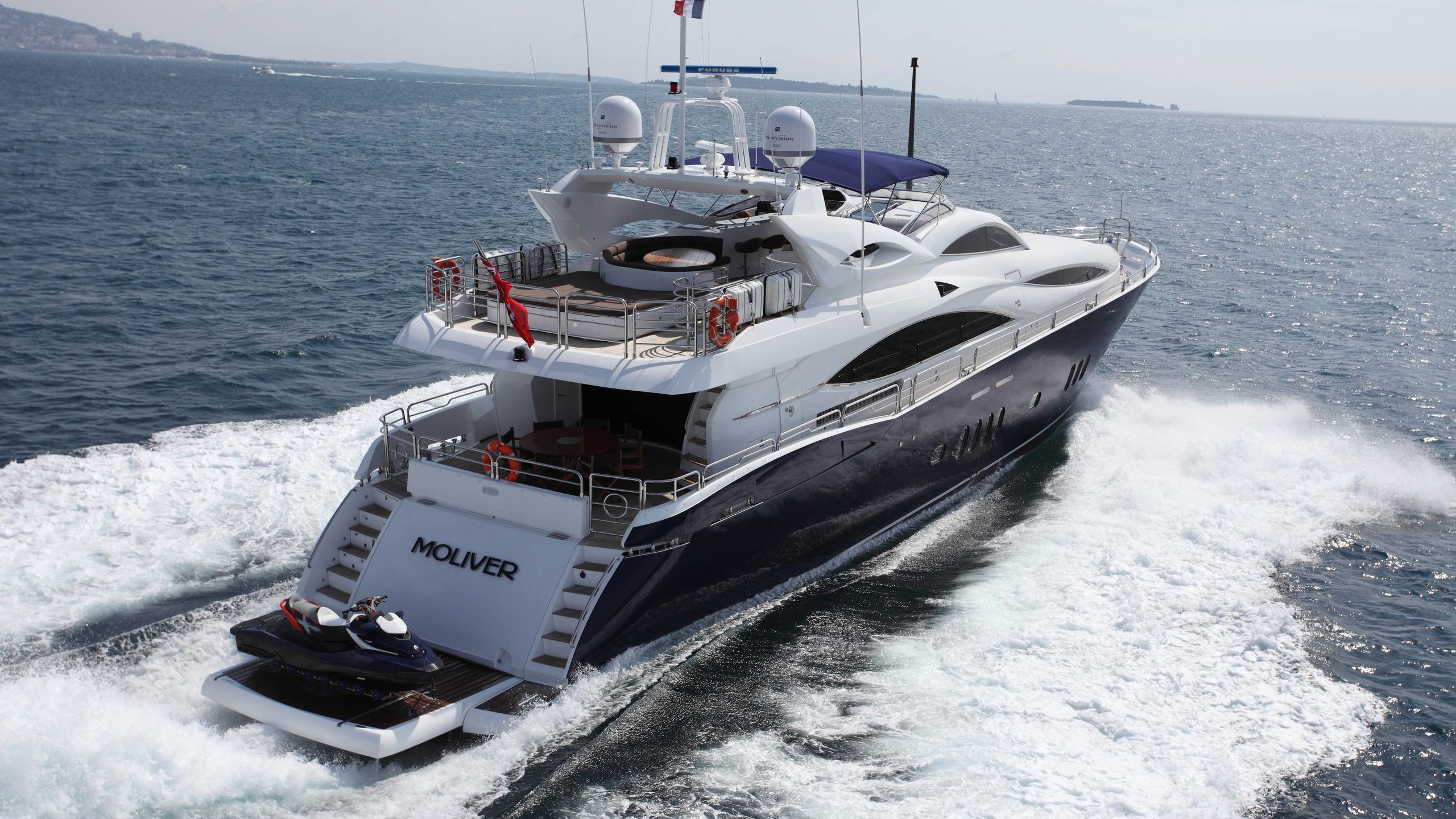 moliver-yacht-running