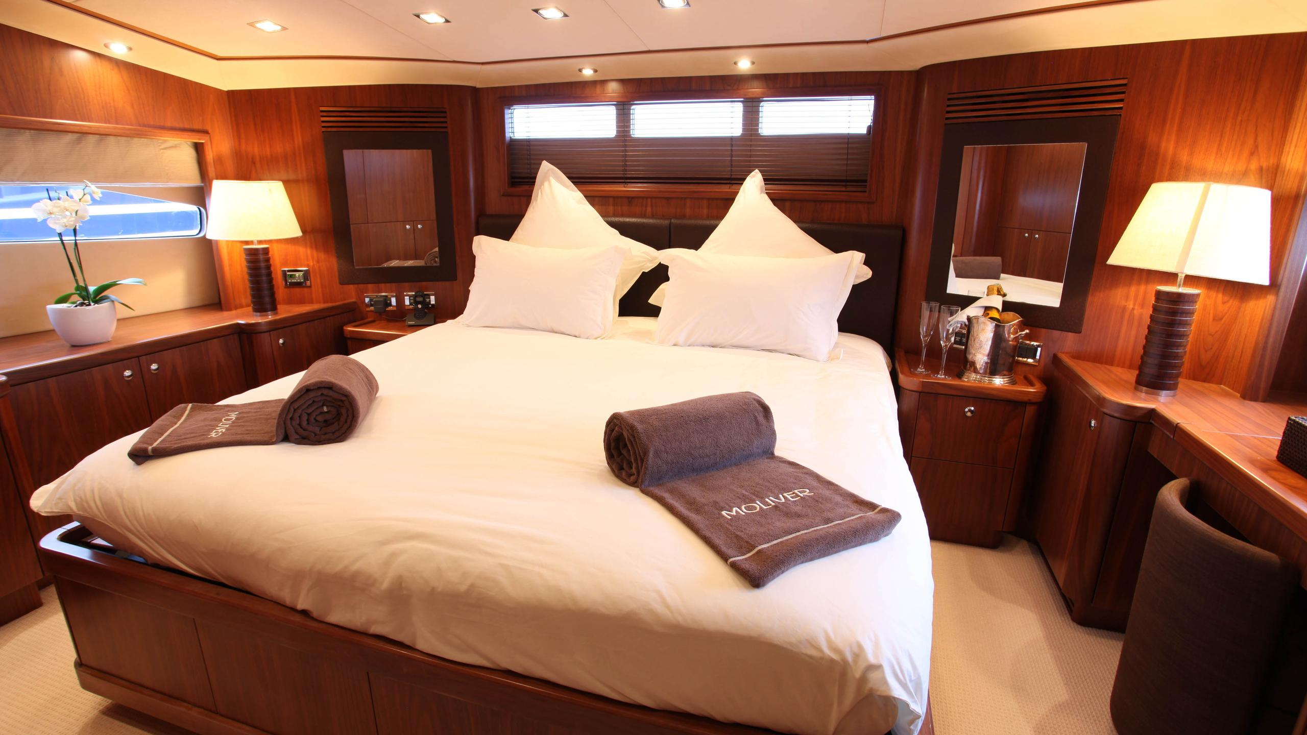 moliver-yacht-vip-cabin