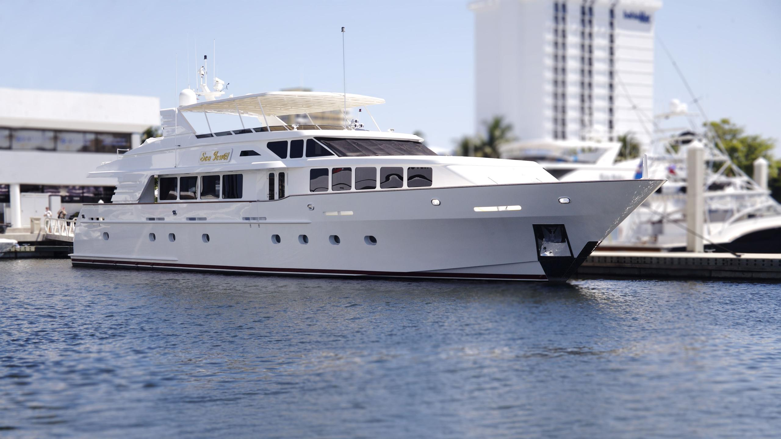sea-jewel-bravo-yacht-profile