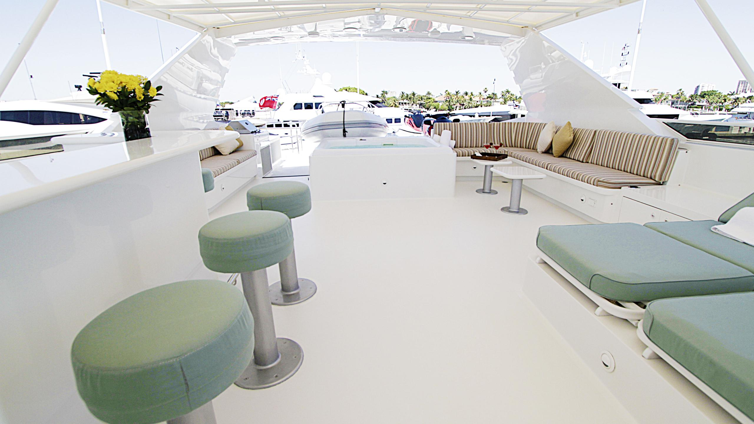sea-jewel-bravo-yacht-fly-deck