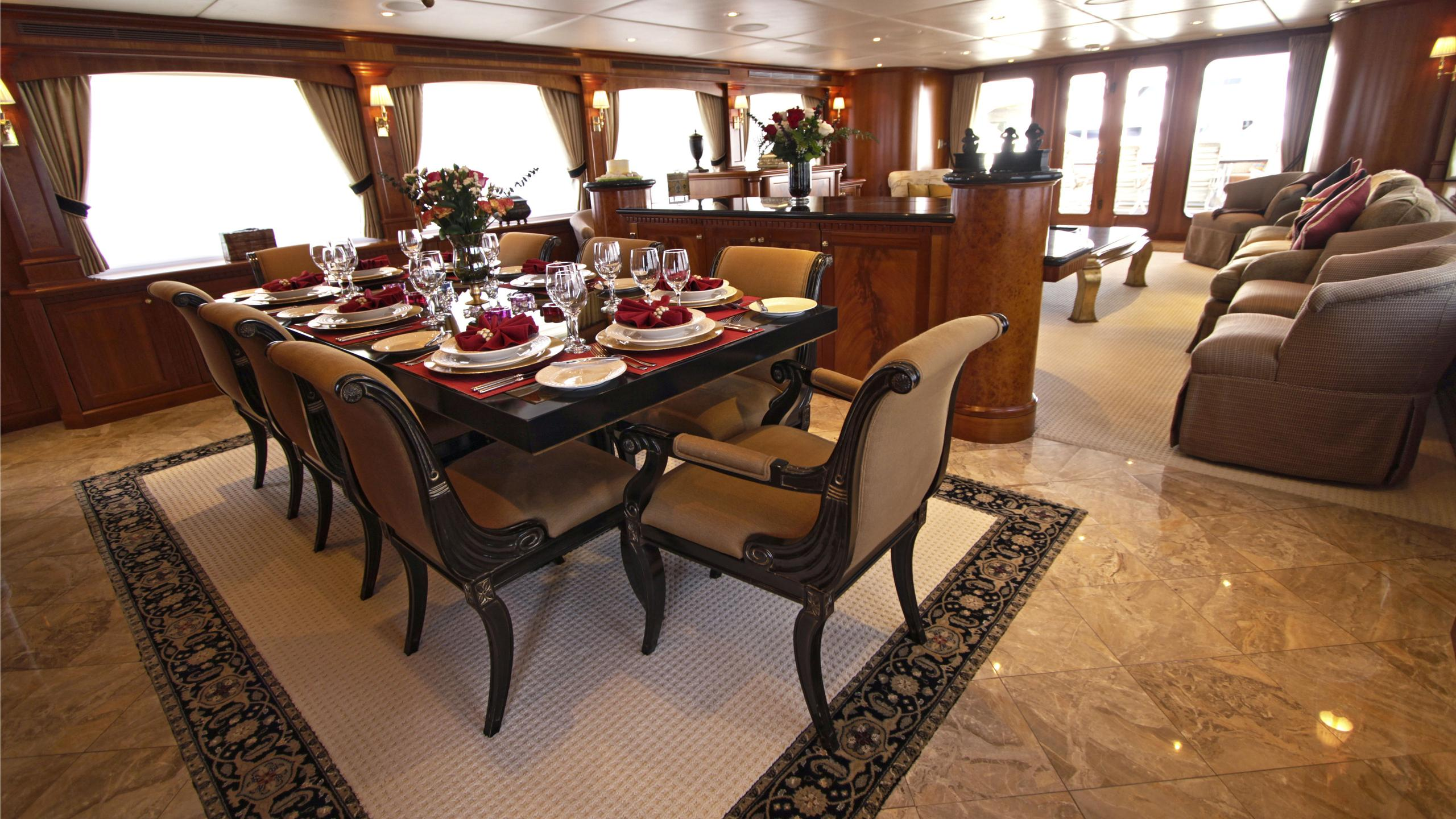 sea-jewel-bravo-yacht-dining