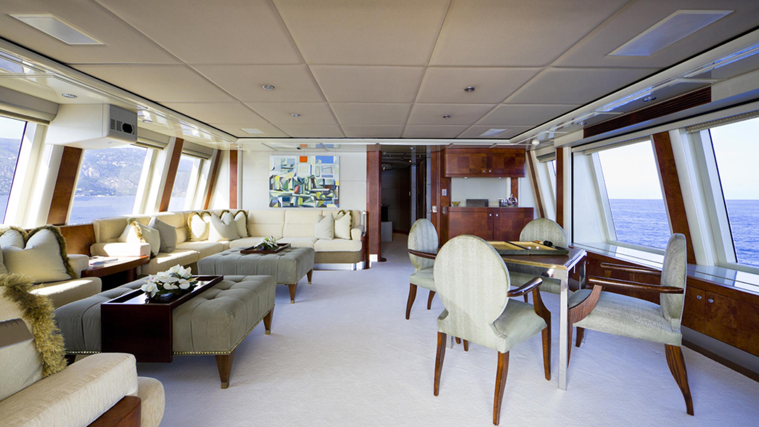 silver-dream-yacht-saloon