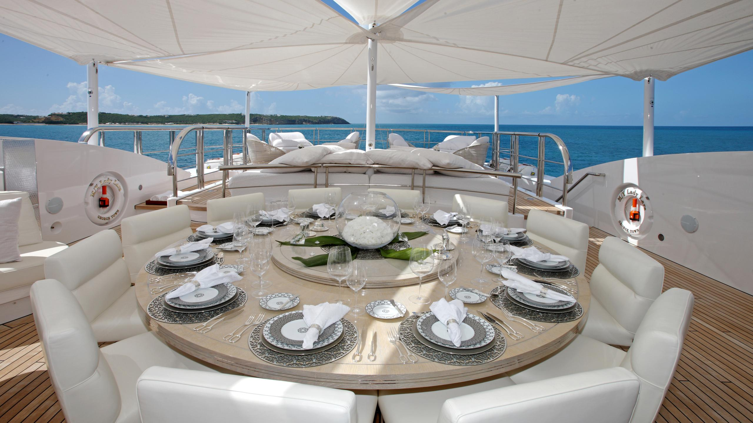 lady-laura-yacht-upper-dining