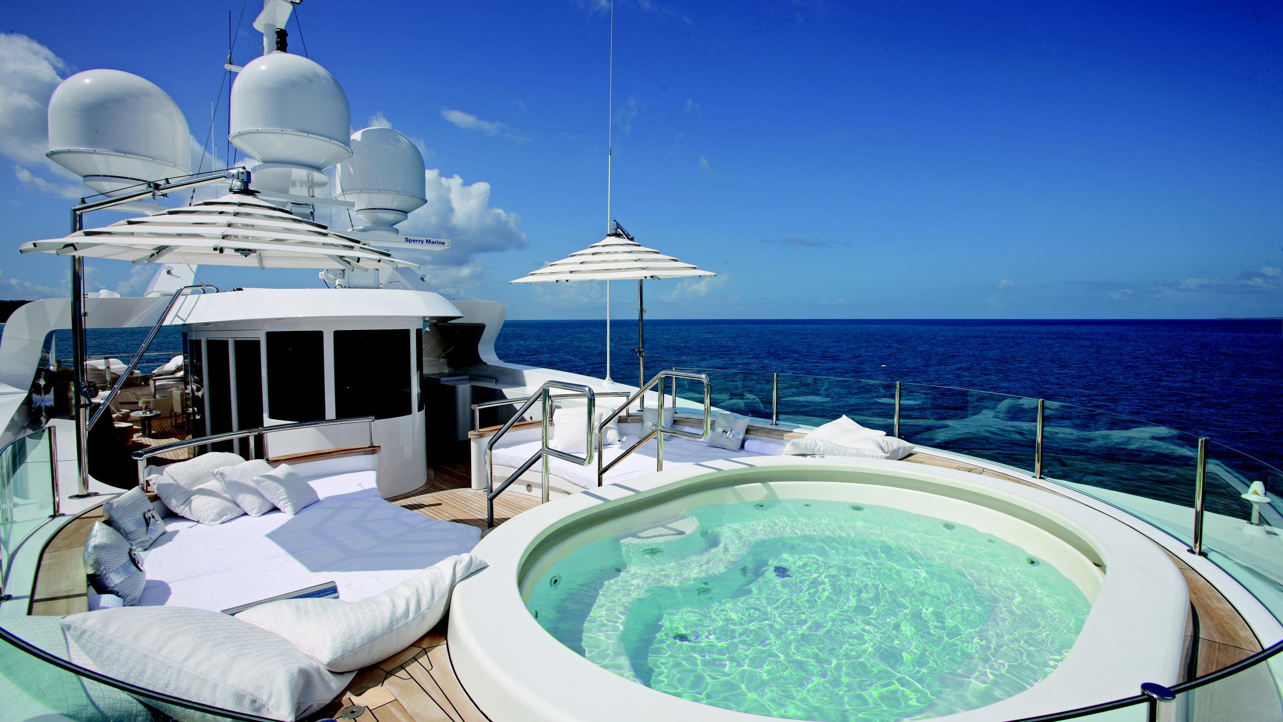 lady-laura-yacht-upper-deck-hot-tub
