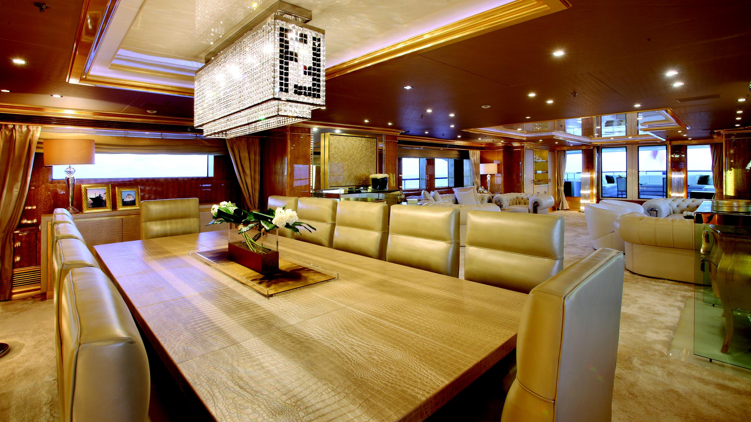 lady-laura-yacht-dining