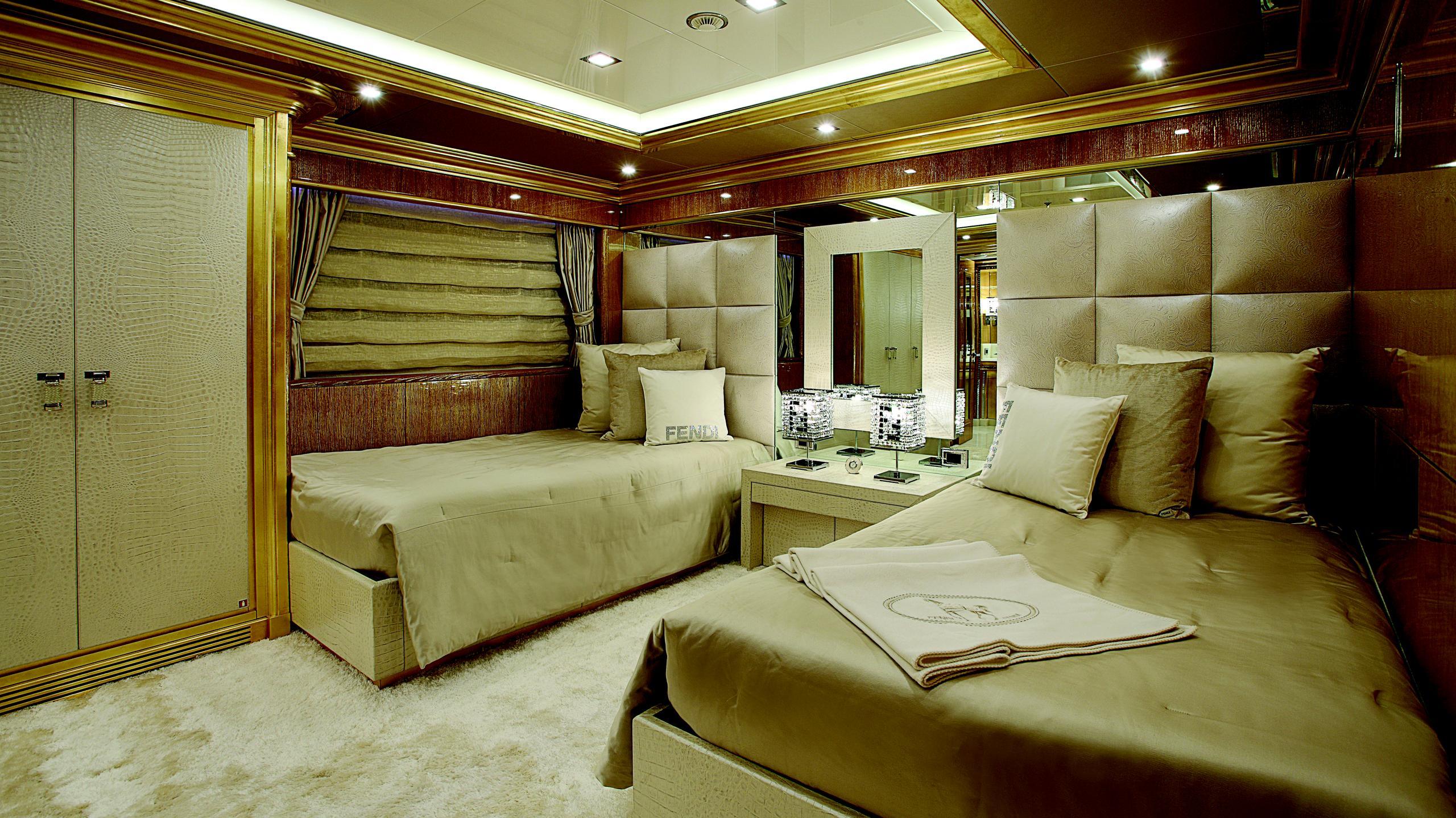 lady-laura-yacht-twin-cabin