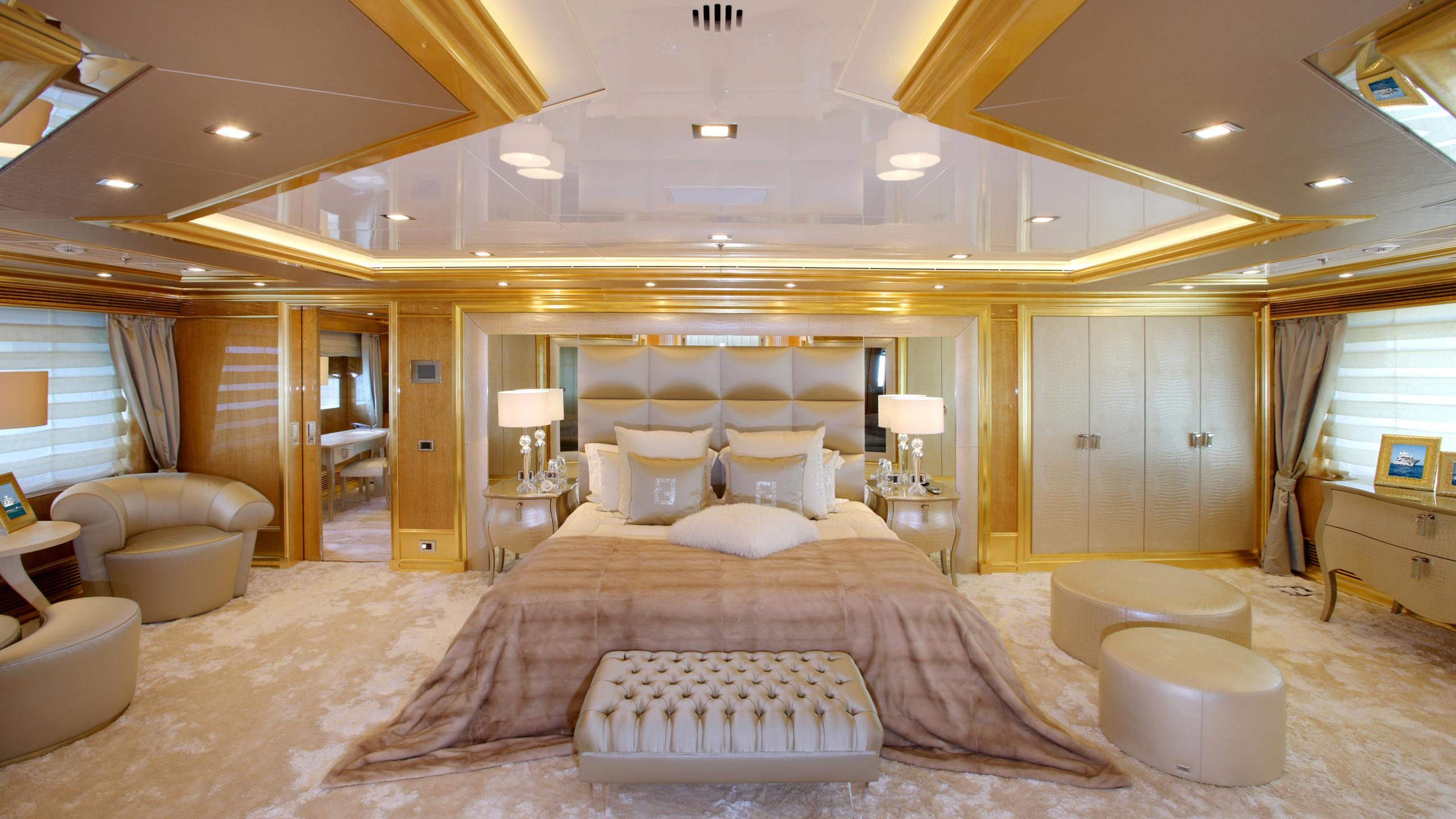 lady-laura-yacht-master-cabin