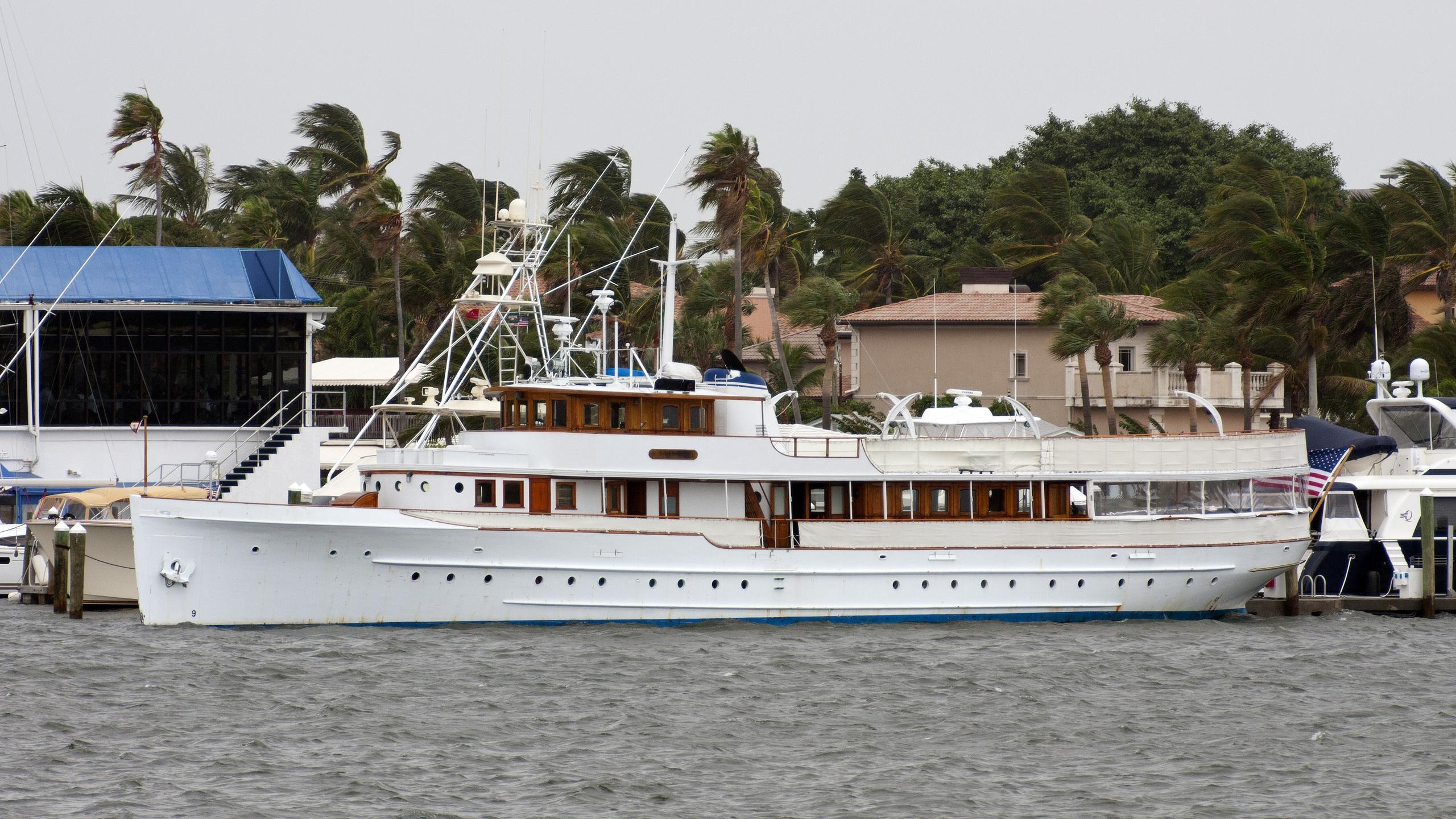 mariner-iii-yacht-exterior