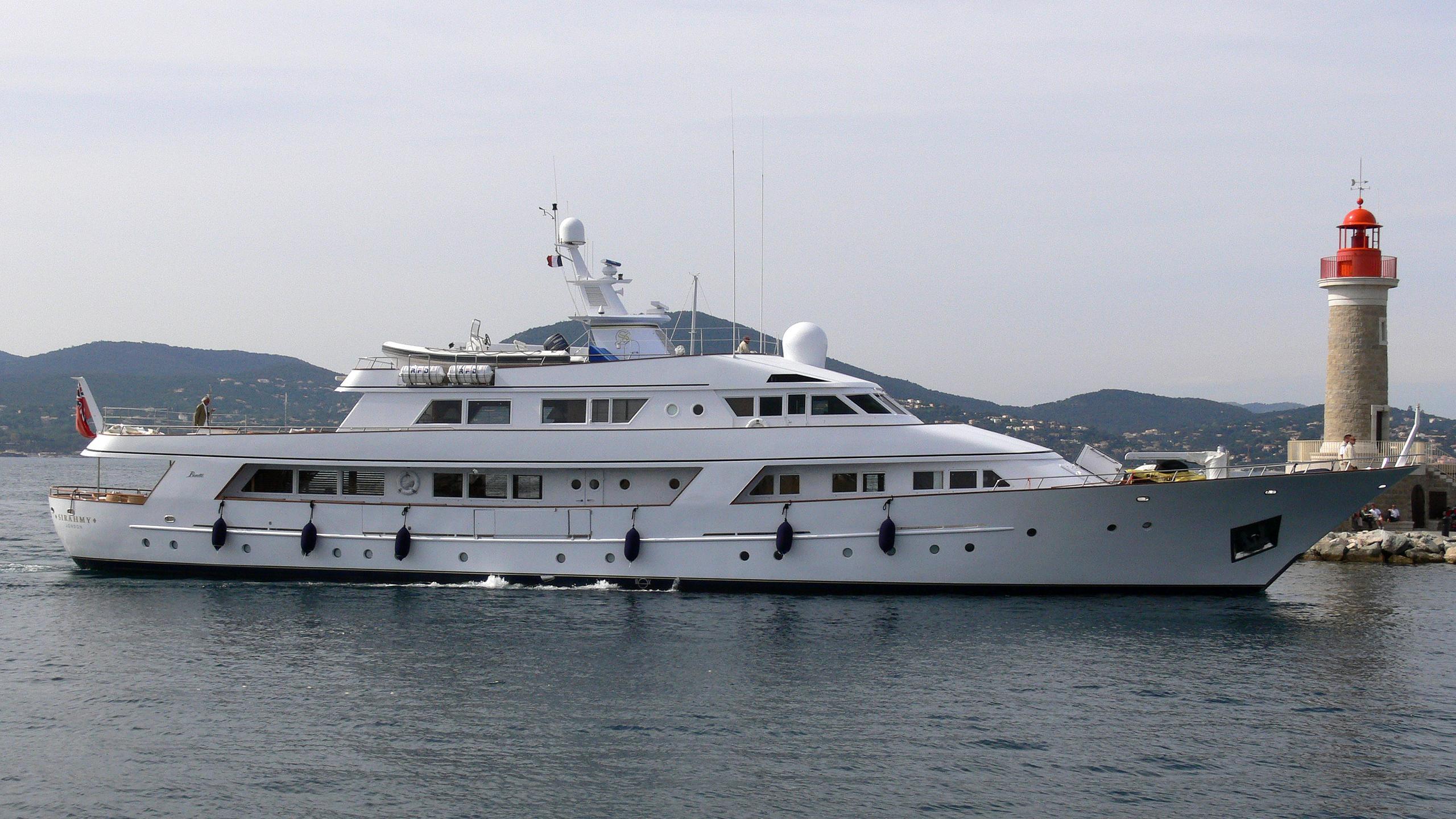 sirahmy-yacht-exterior