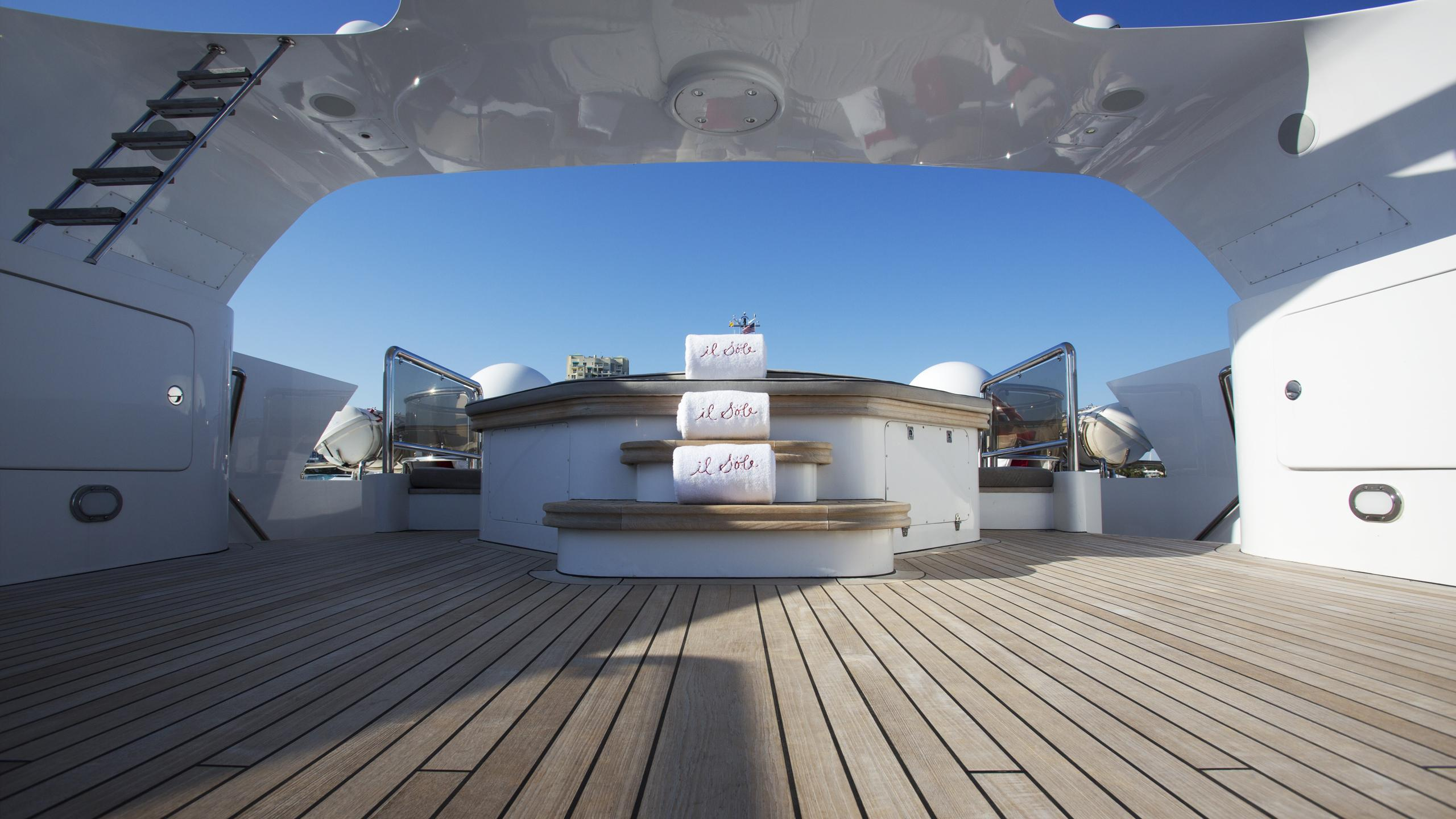 il-sole-yacht-upper-deck