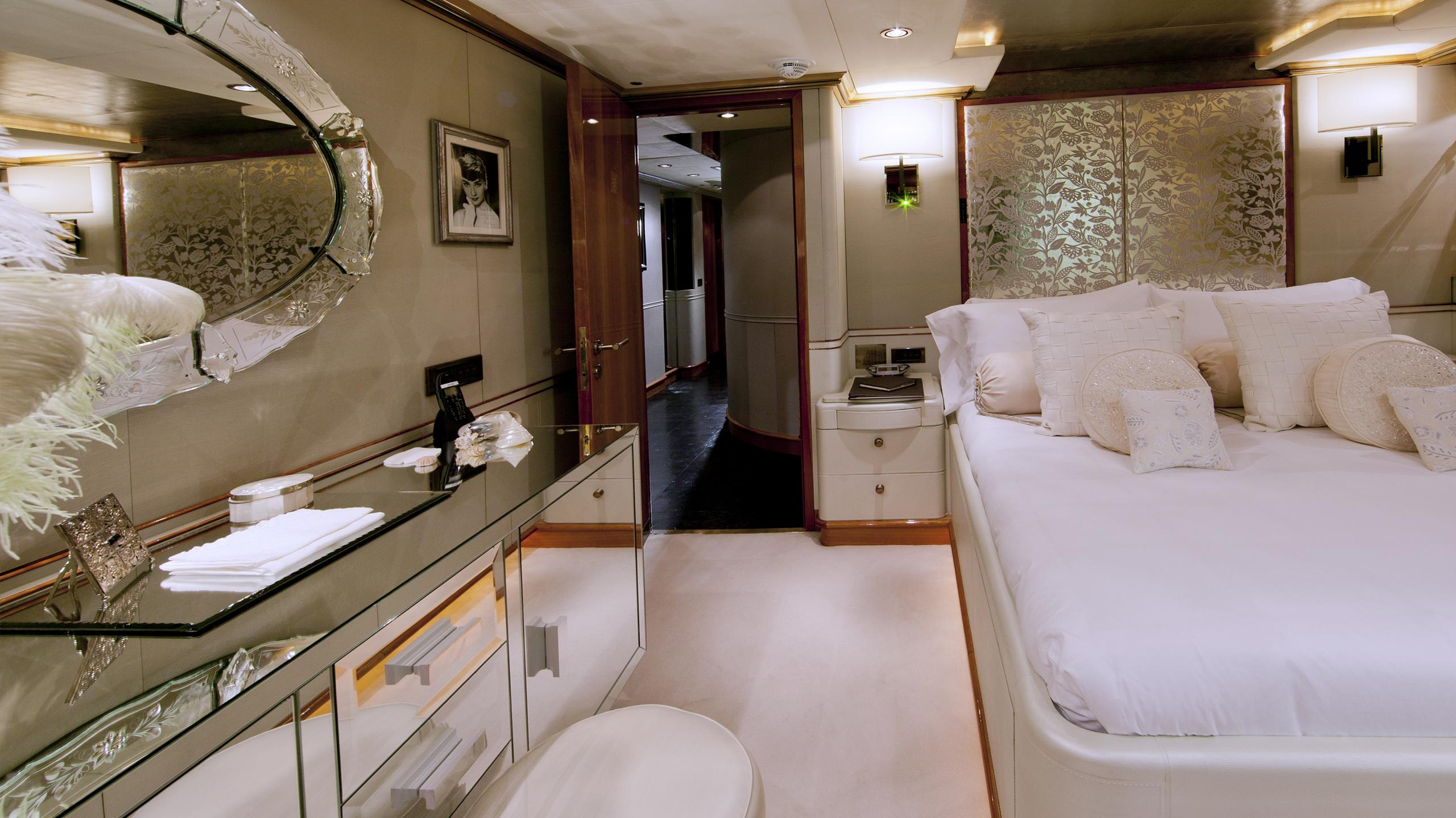il-sole-yacht-double-cabin