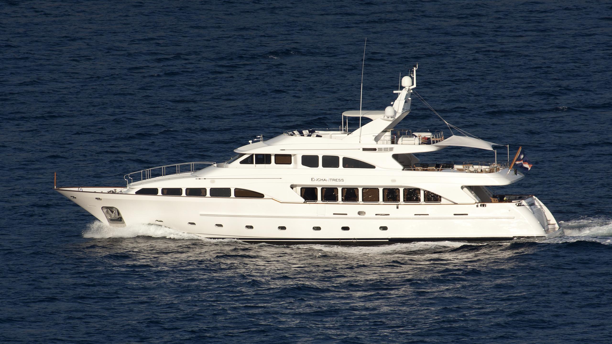 enchantress-yacht-exterior