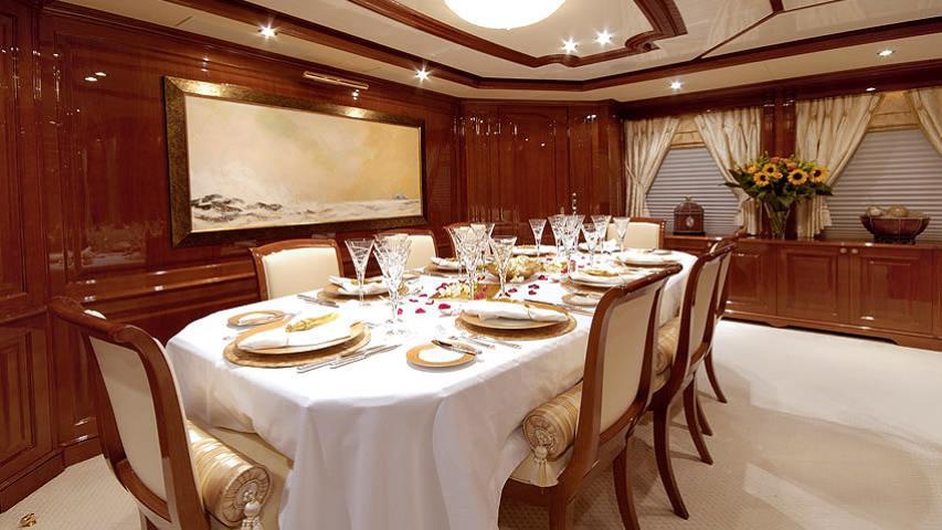 aura wild thyme motoryacht benetti 37m 2006 dining
