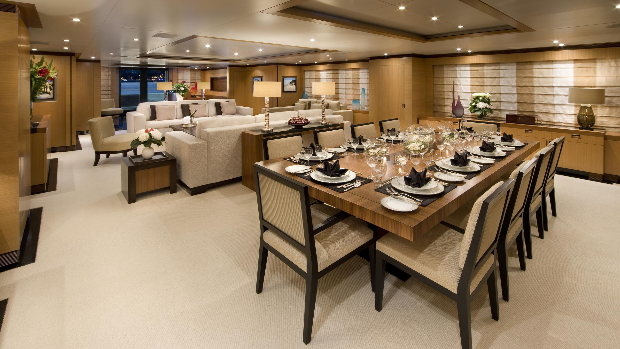 andreas-l-yacht-formal-dining