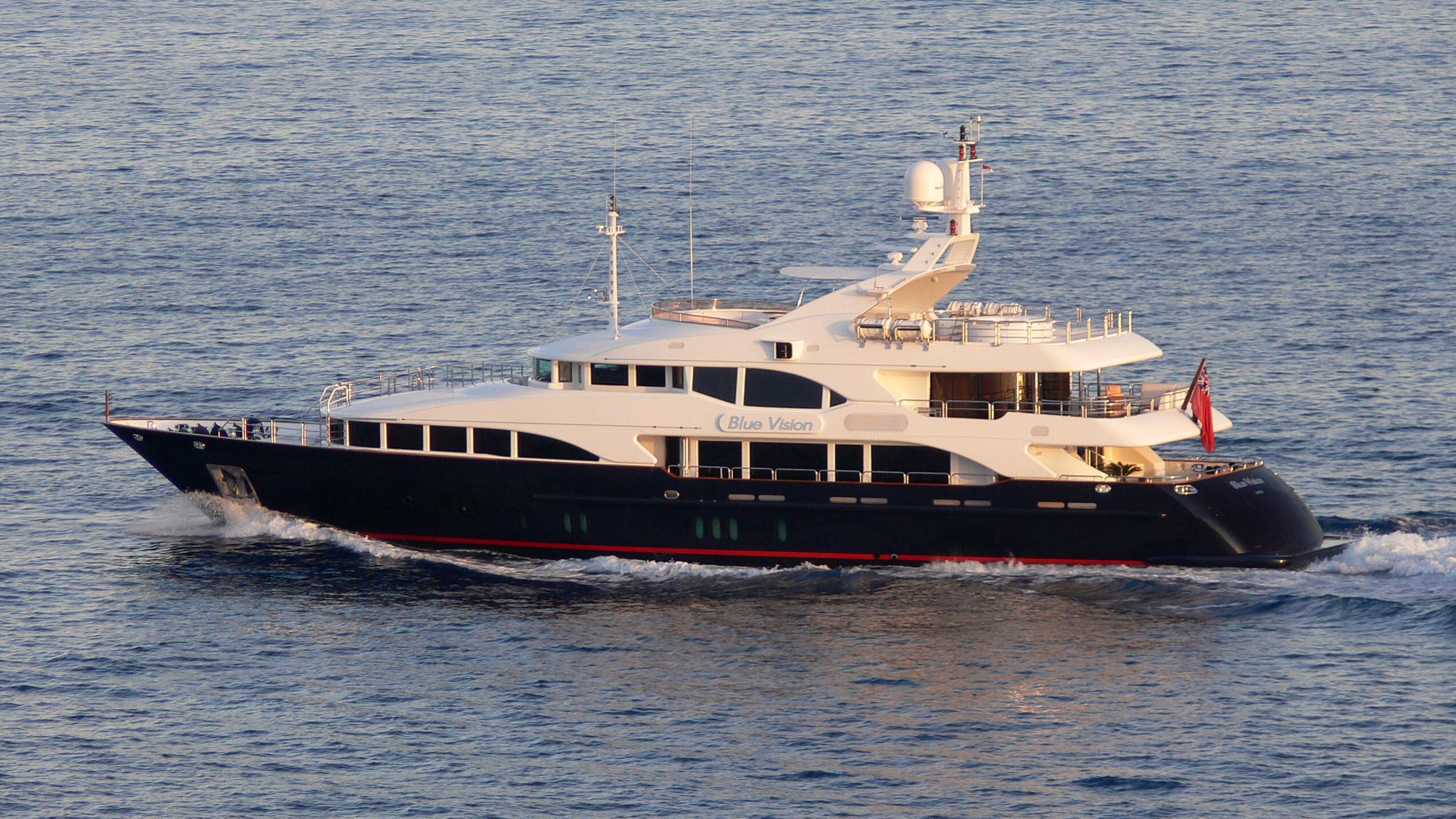 blue-vision-yacht-exterior
