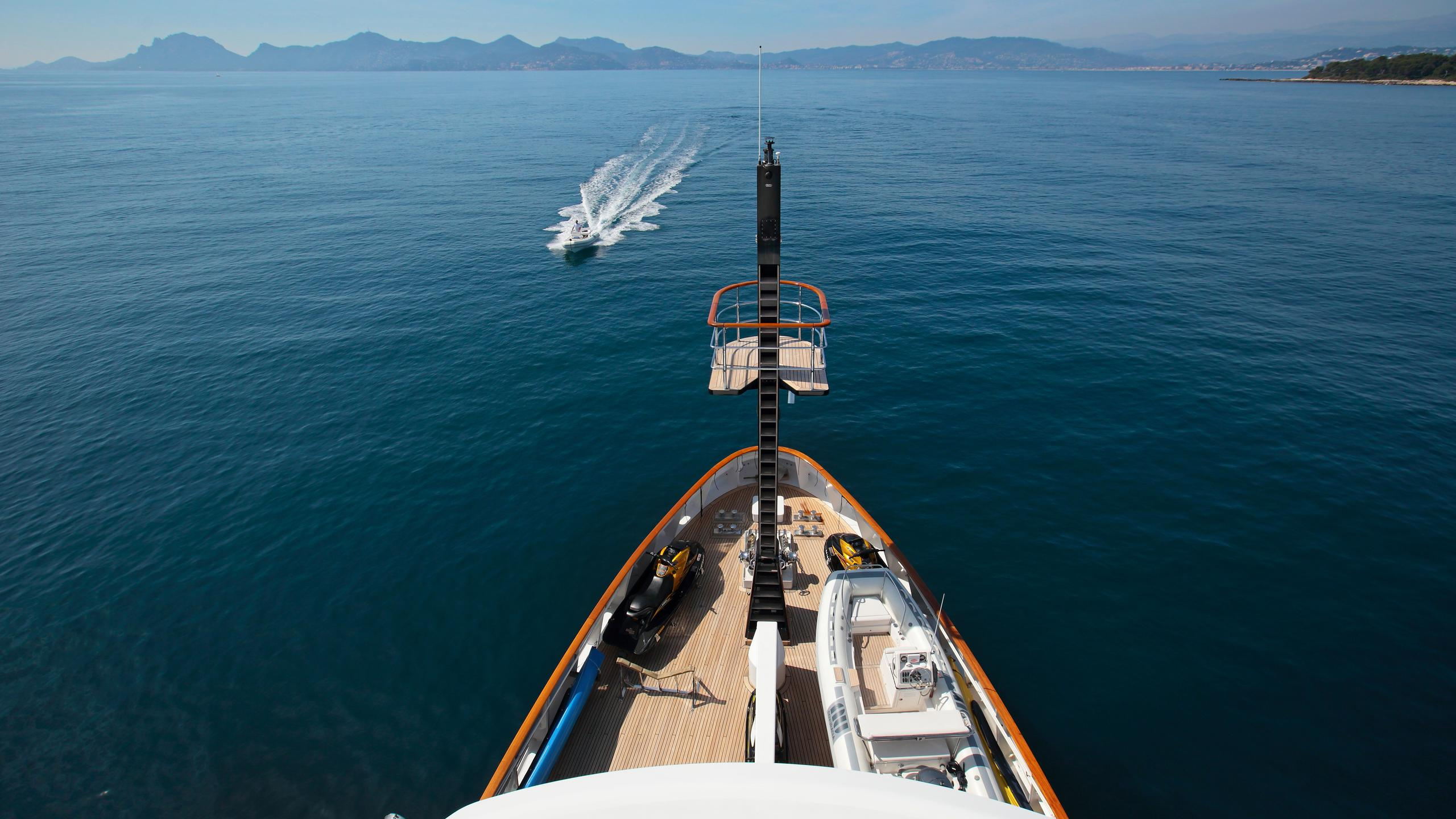 kirkland-yacht-for-sale-bow