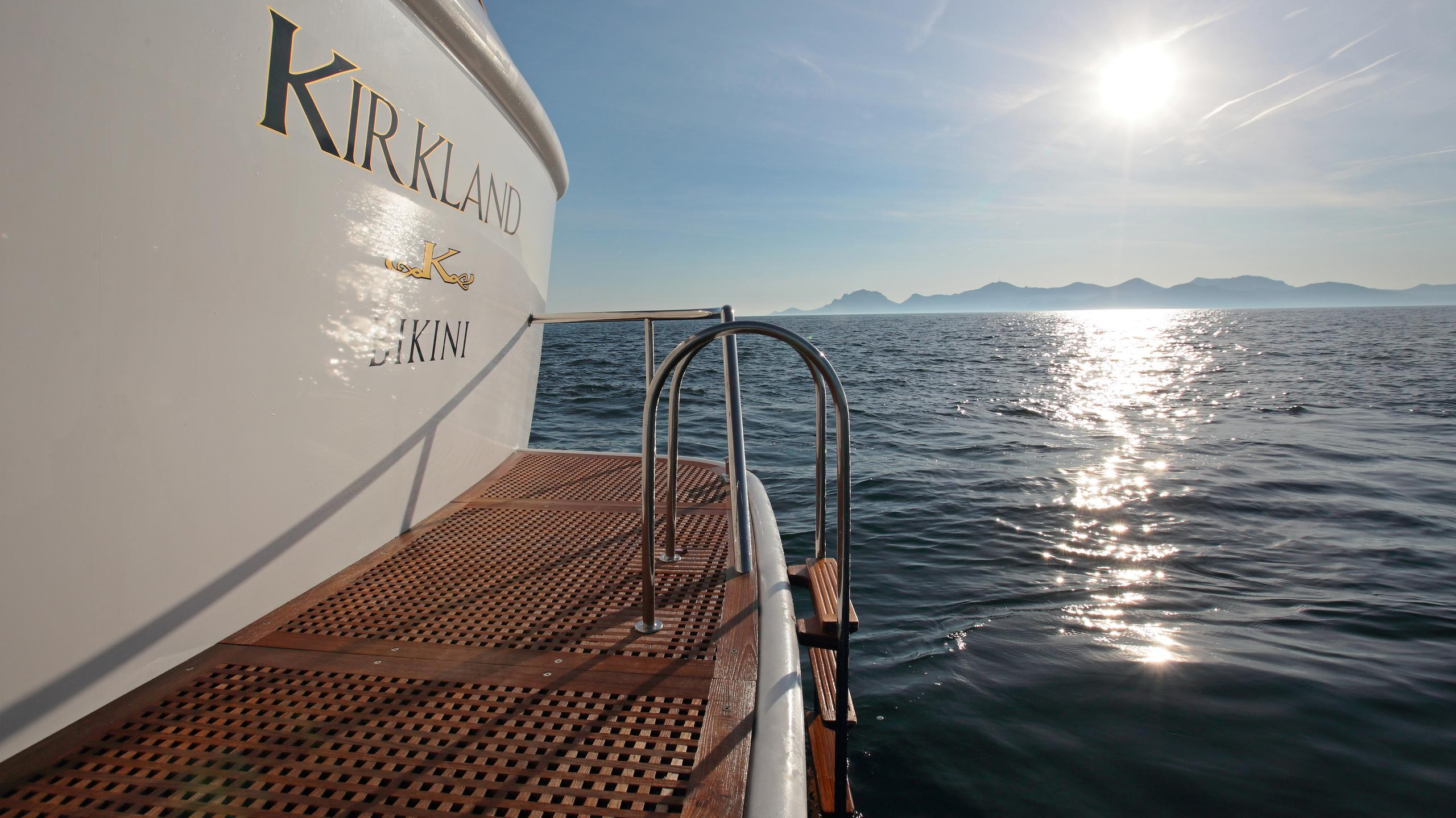 kirkland-yacht-stern
