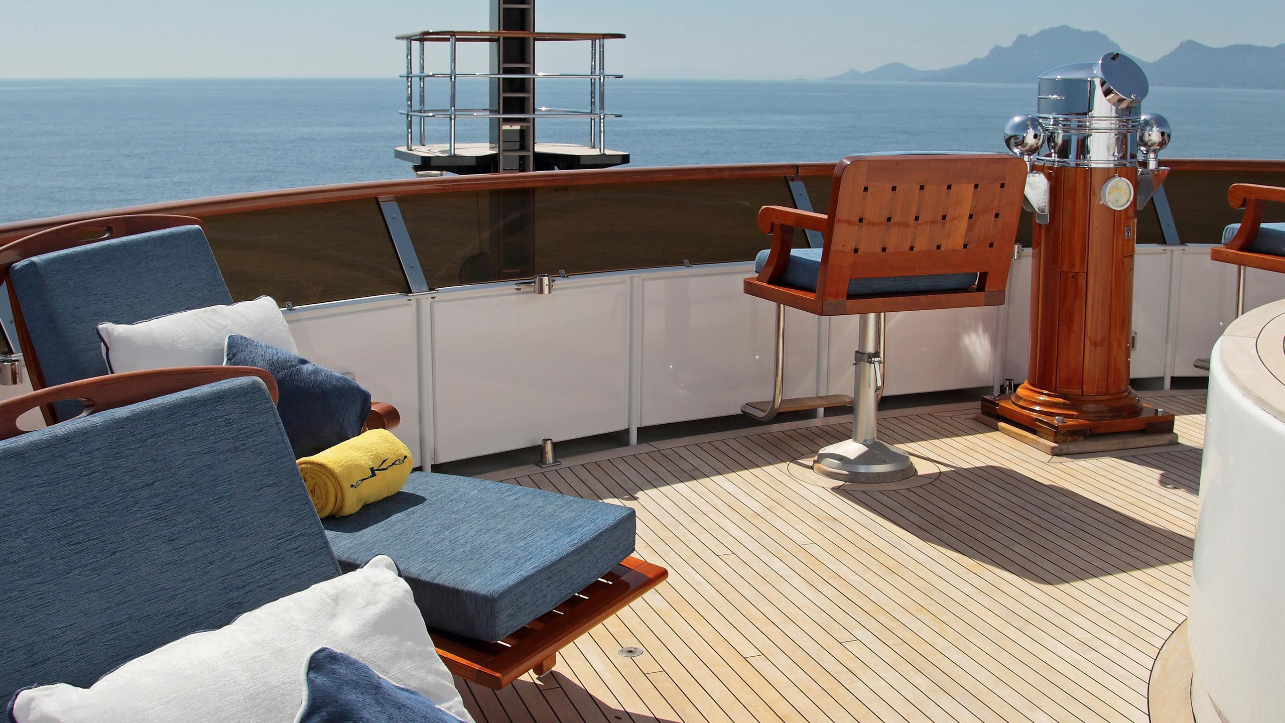 kirkland-yacht-sun-deck