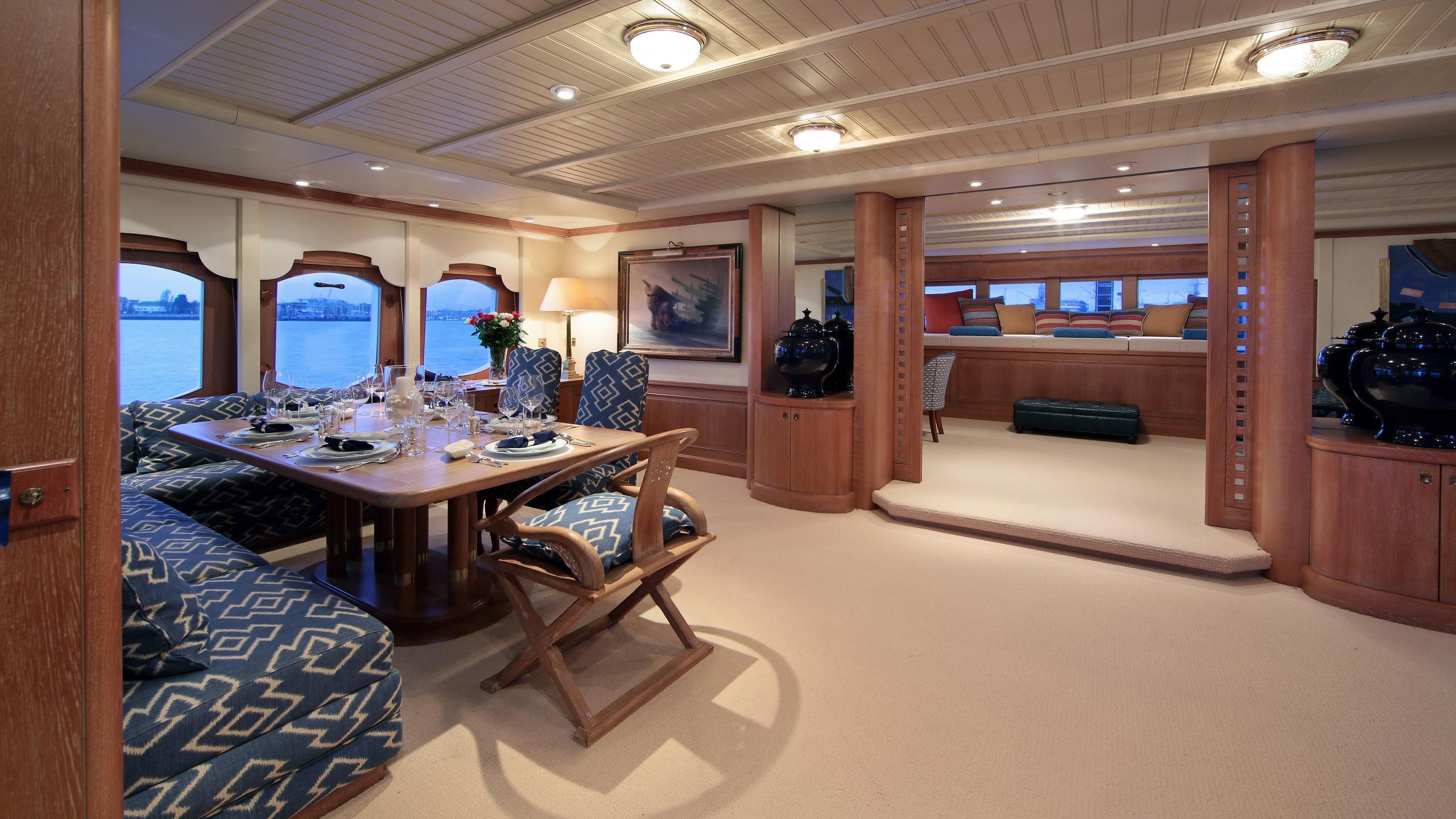 kirkland-yacht-formal-dining