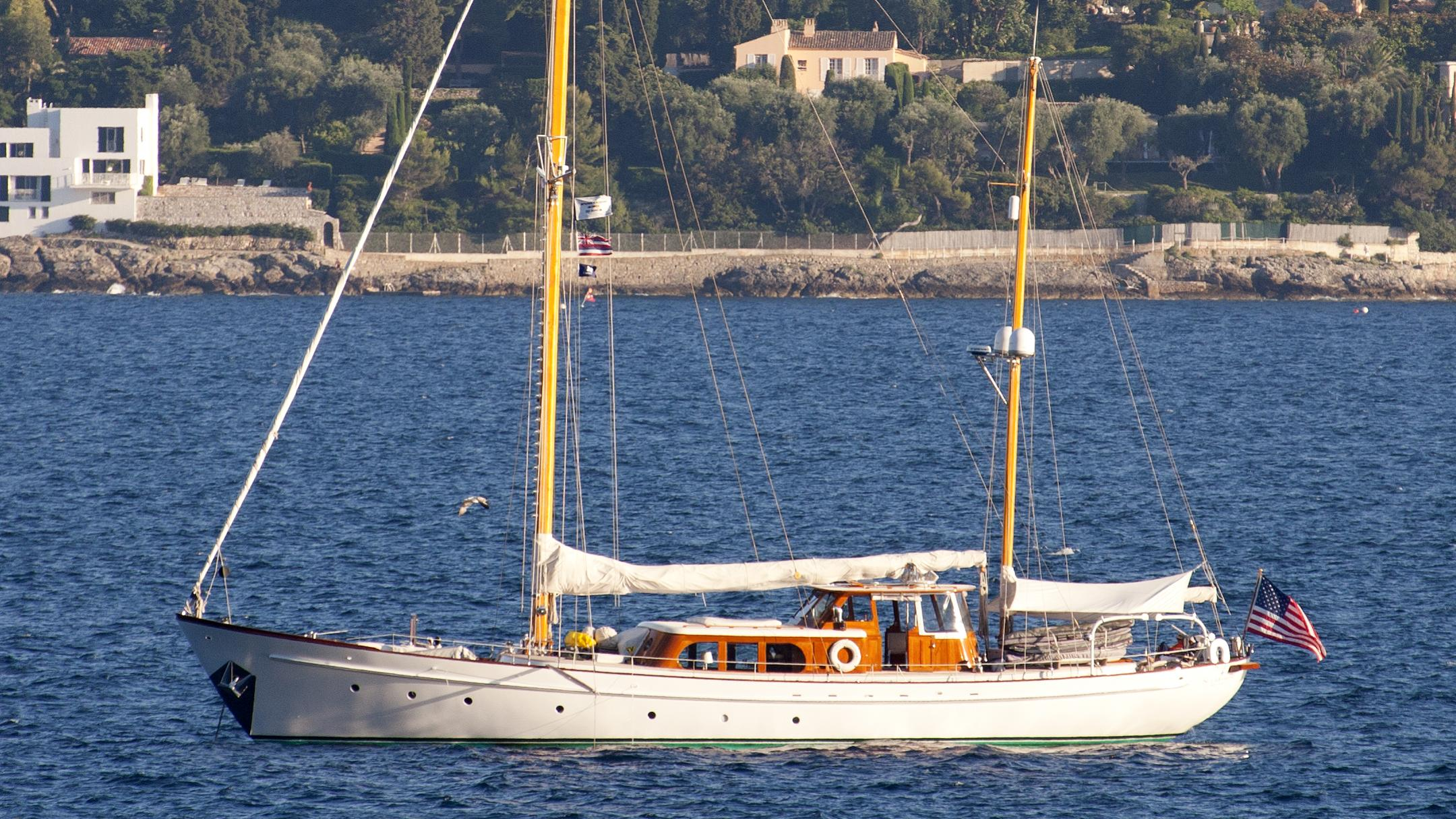 sea-diamond-yacht-exterior