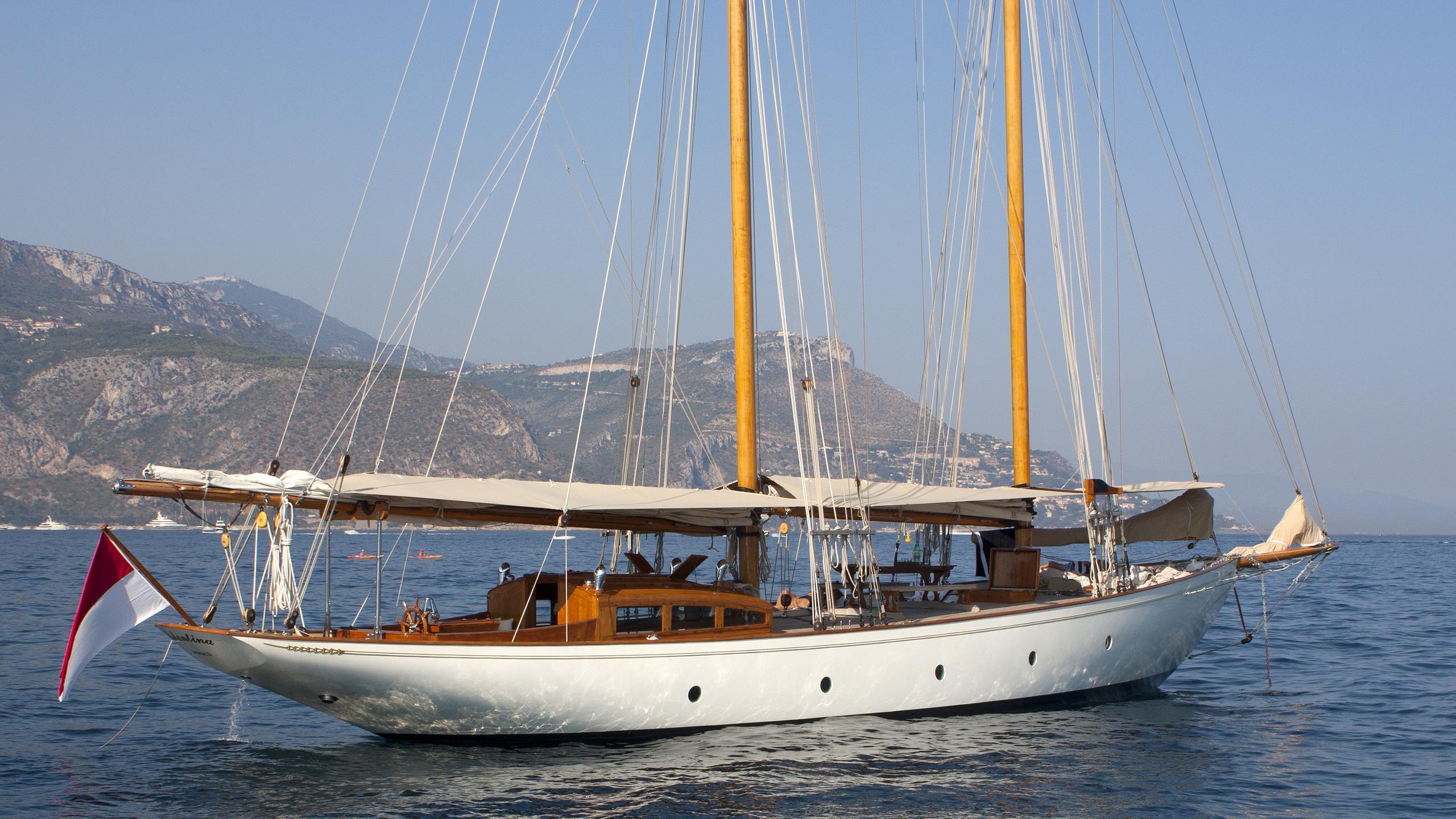 lelantina-yacht-exterior