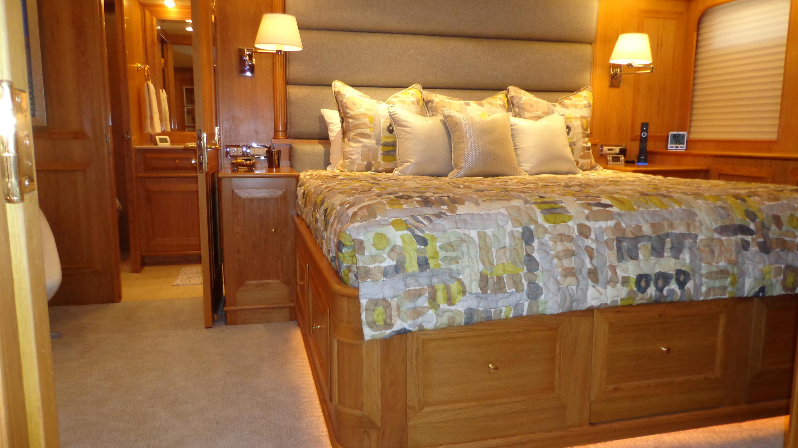 sea-bound-yacht-double-cabin