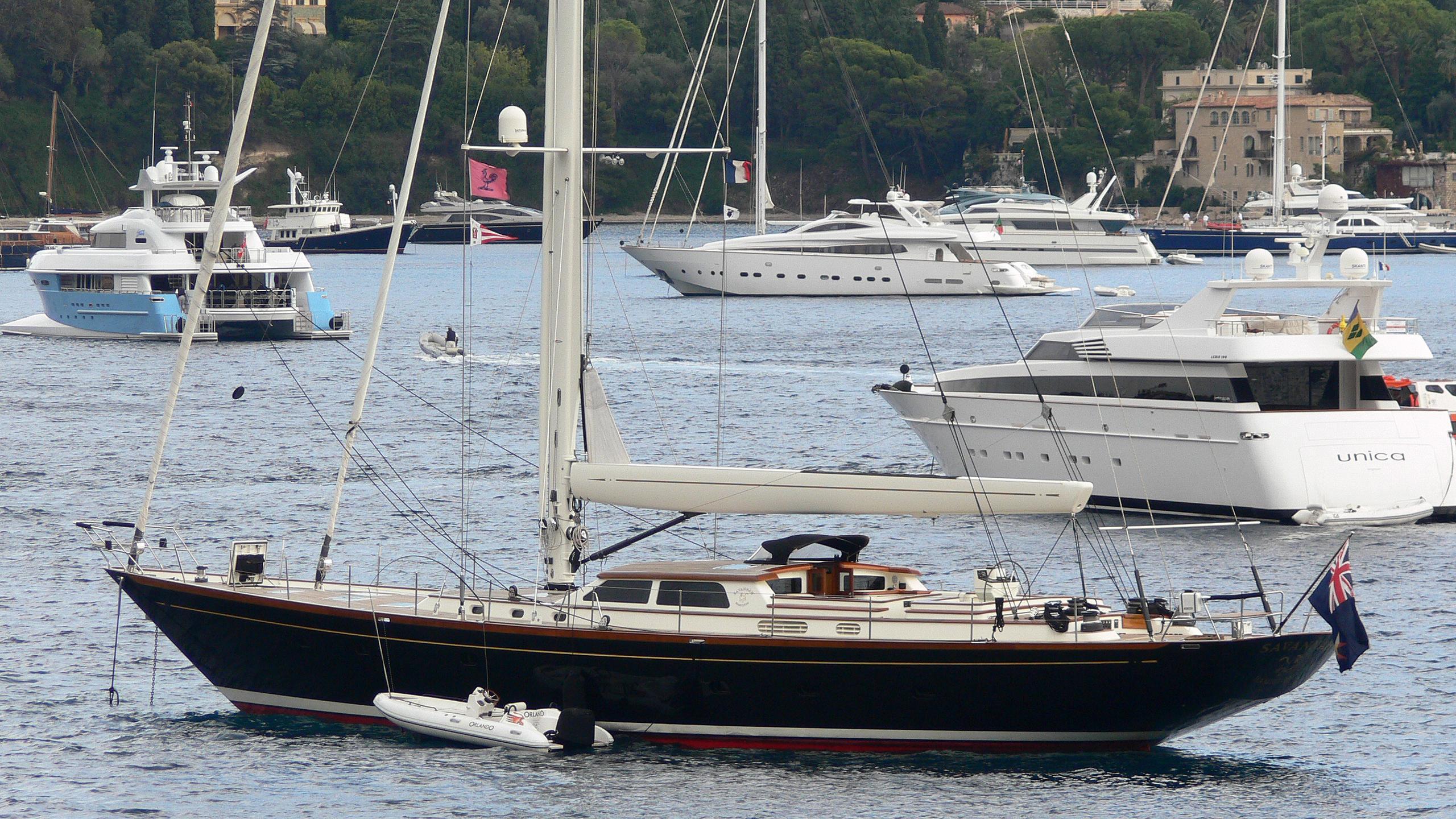 savannah-yacht-exterior