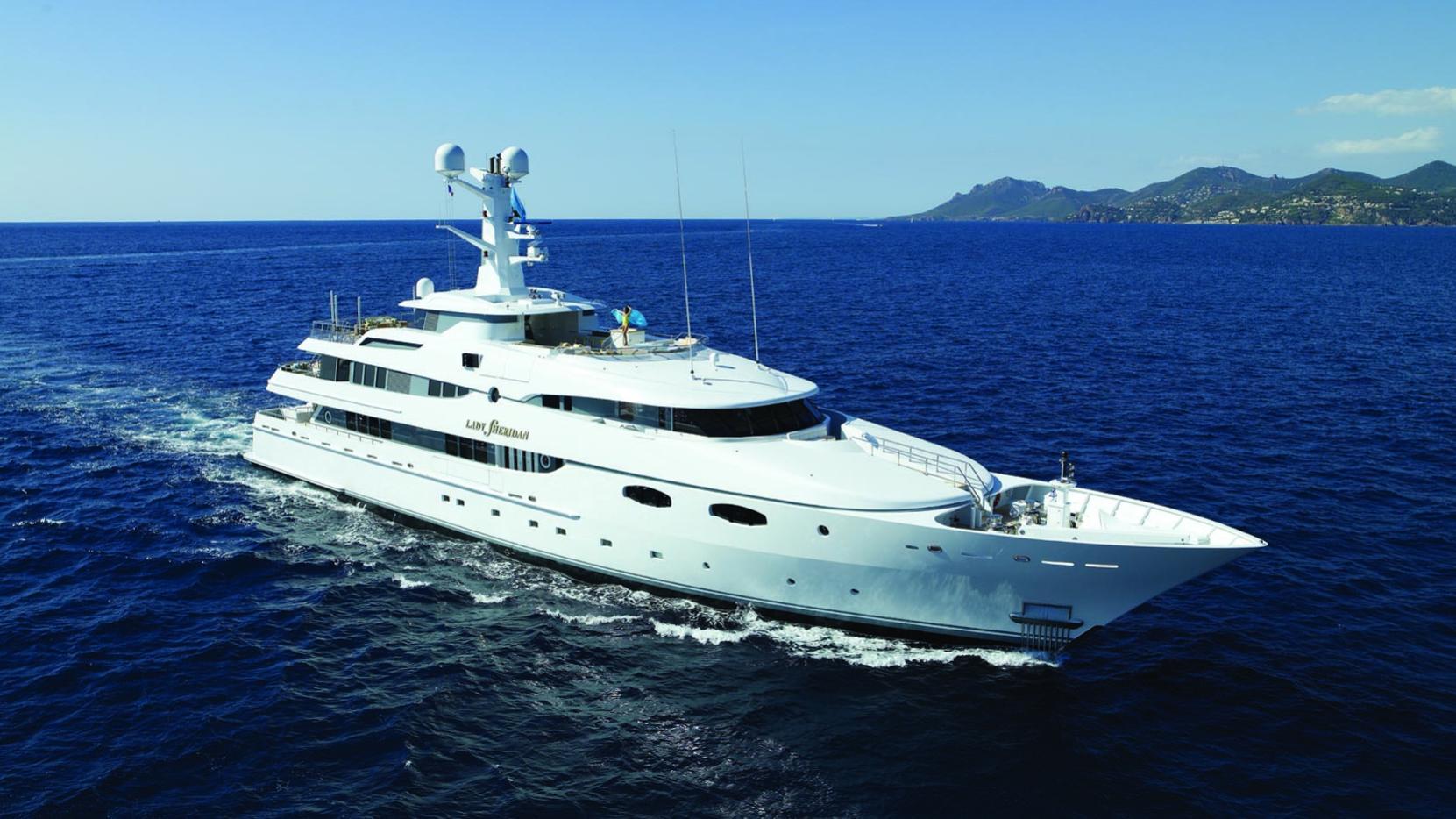 lady-sheridan-yacht-yacht-at-sea